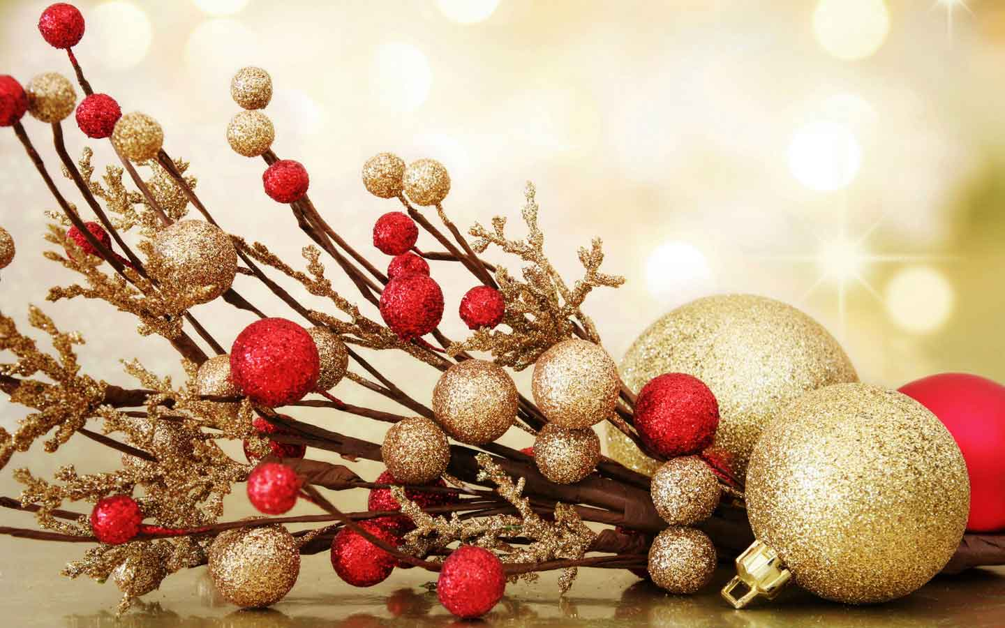Gorgeous Christmas Ornaments Wallpaper