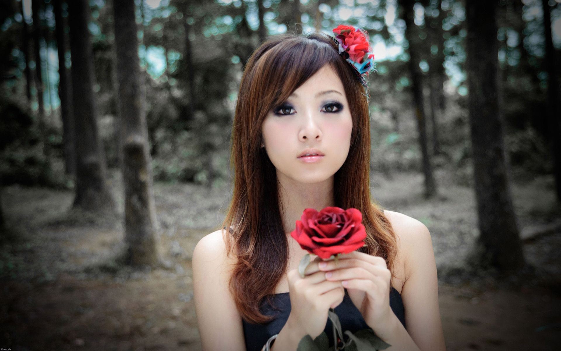 Gorgeous Mikako Zhang