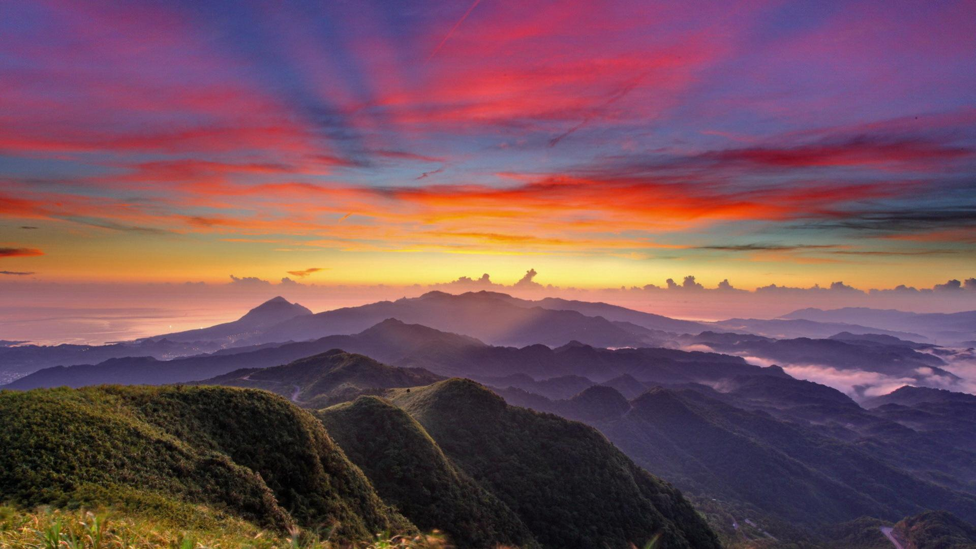 Gorgeous Mountain Range Wallpaper