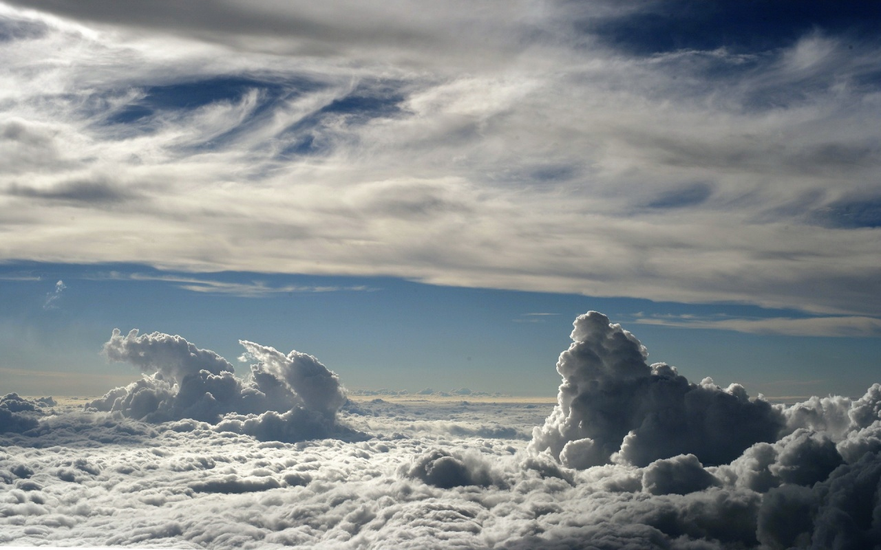 Gorgeous White Clouds Wallpaper