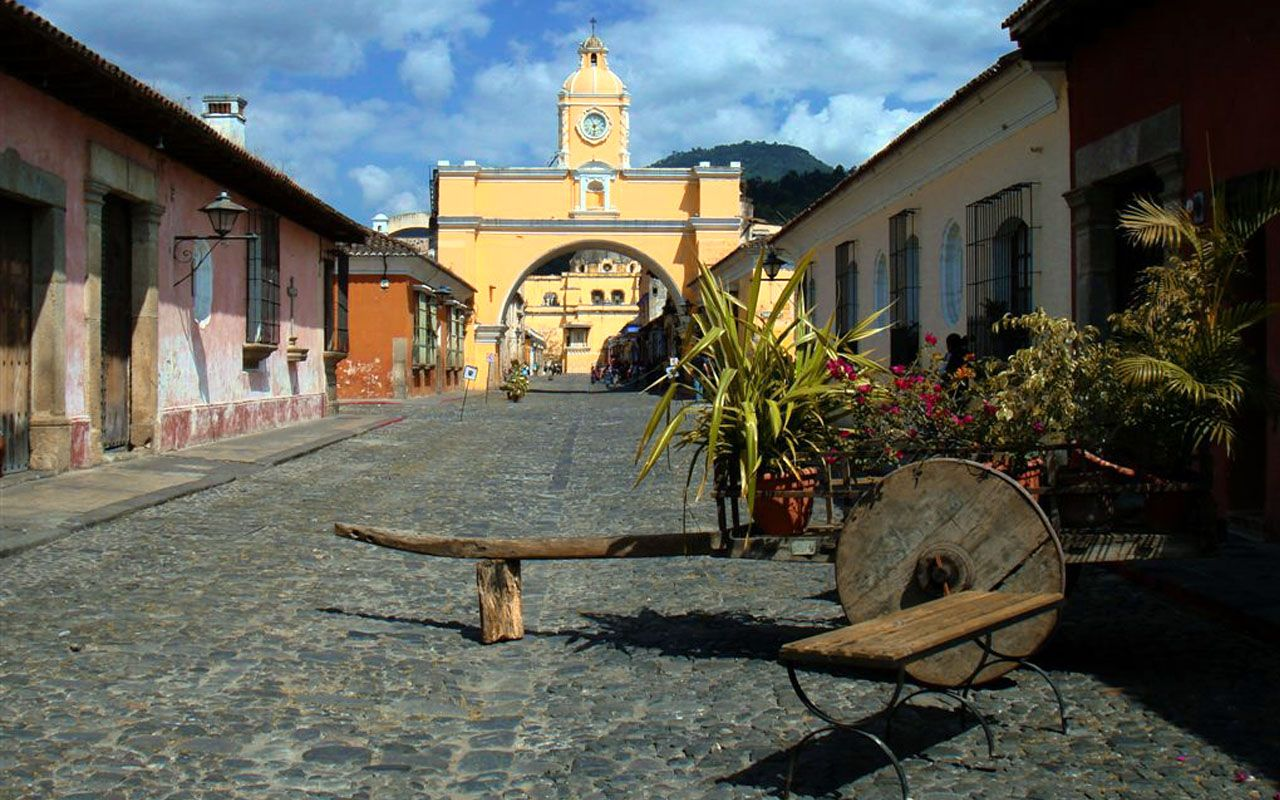 An awesome image of Antigua Guatemala