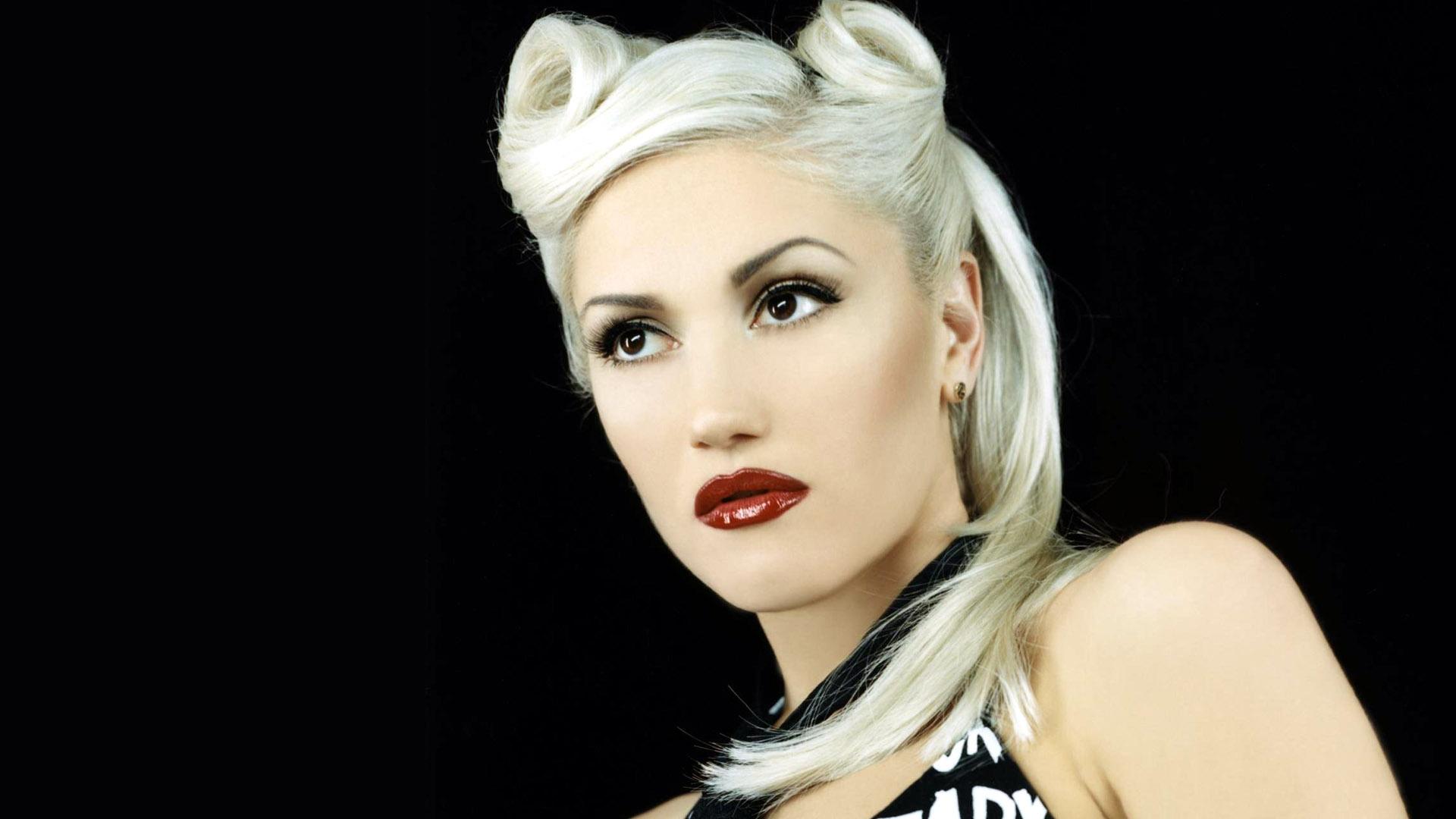 Gwen Stefani gets restraining order against obsessed fan