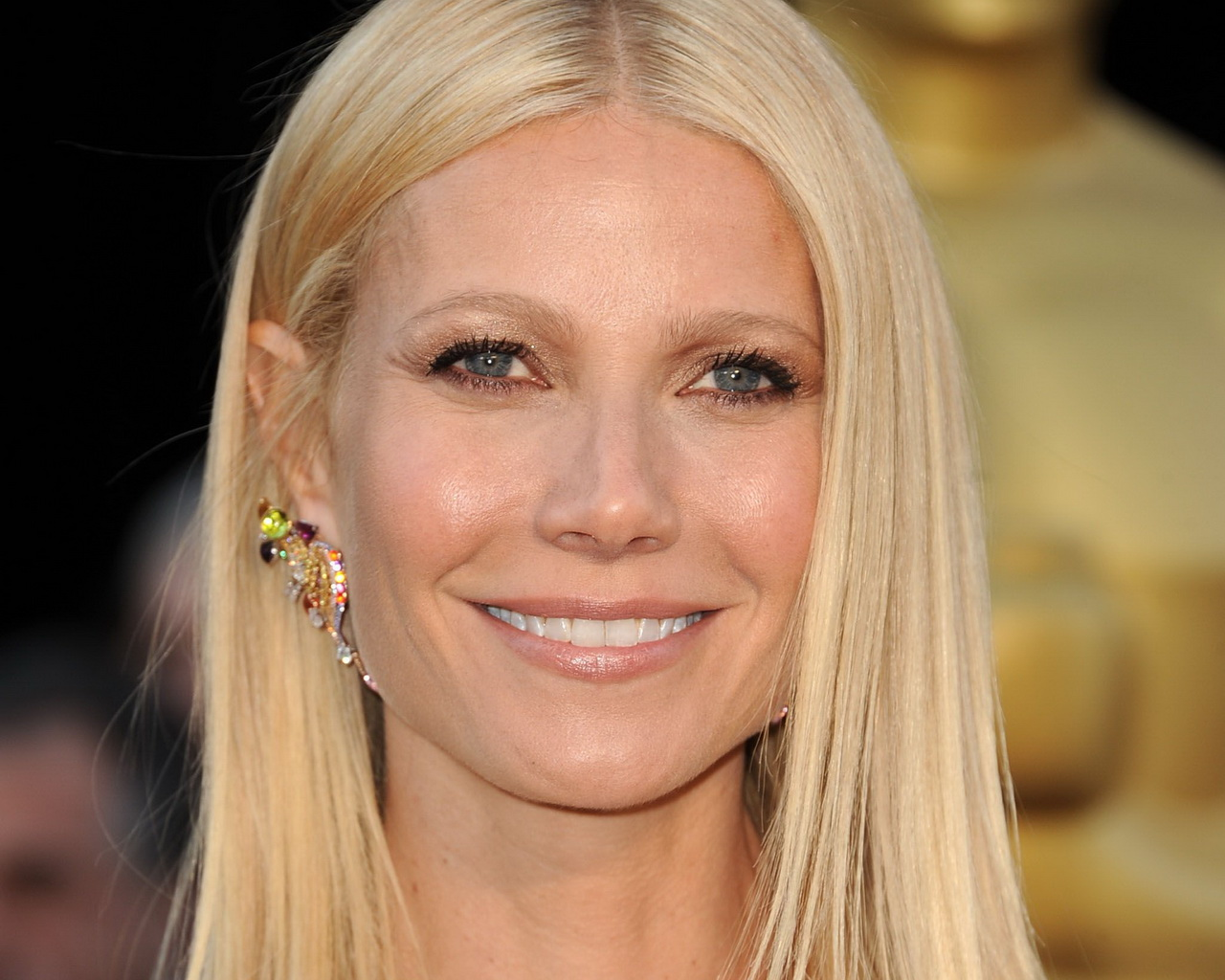 Gwyneth Paltrow Takes 'Food Stamp Challenge,' Gets Smacked on Social | PRNewser