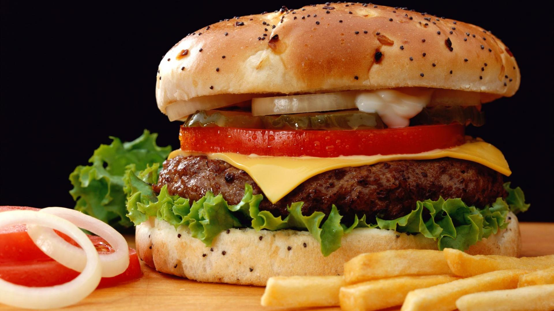 Delicious Hamburger Wallpaper HD Wallpaper
