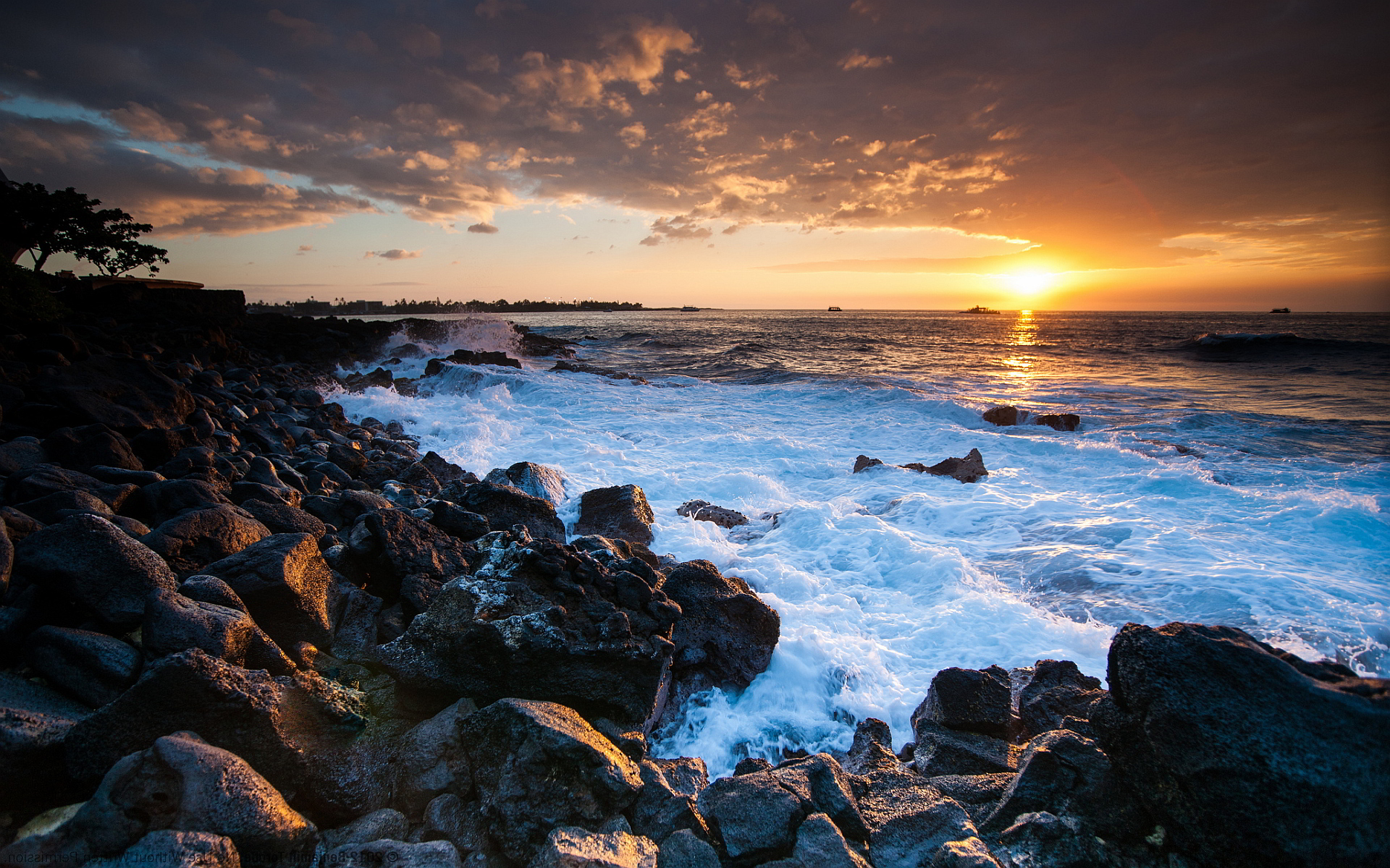 Hawaii coast sunset