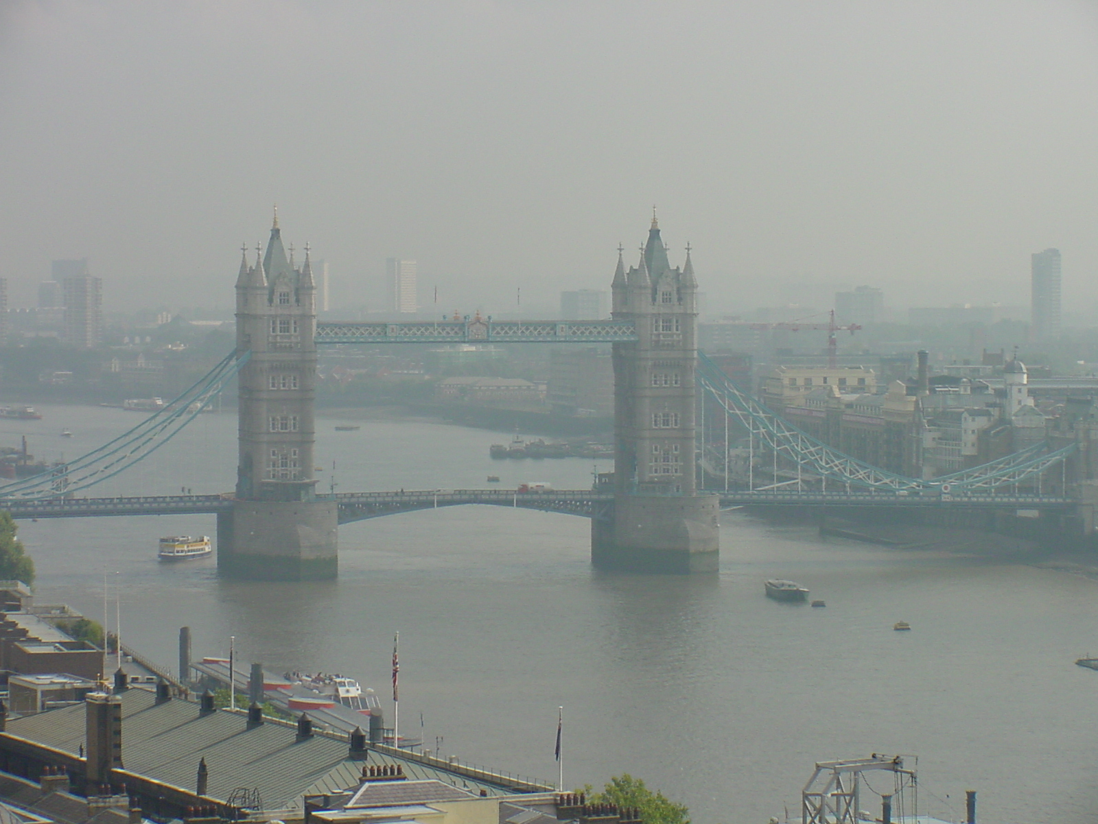 (Earth Views): England London The City the Monument hazy view of Tower Bridge from viewing gallery 1 MB.jpg. D=2001-11-10 [Nov 10, 2001]; S=765kB, ...
