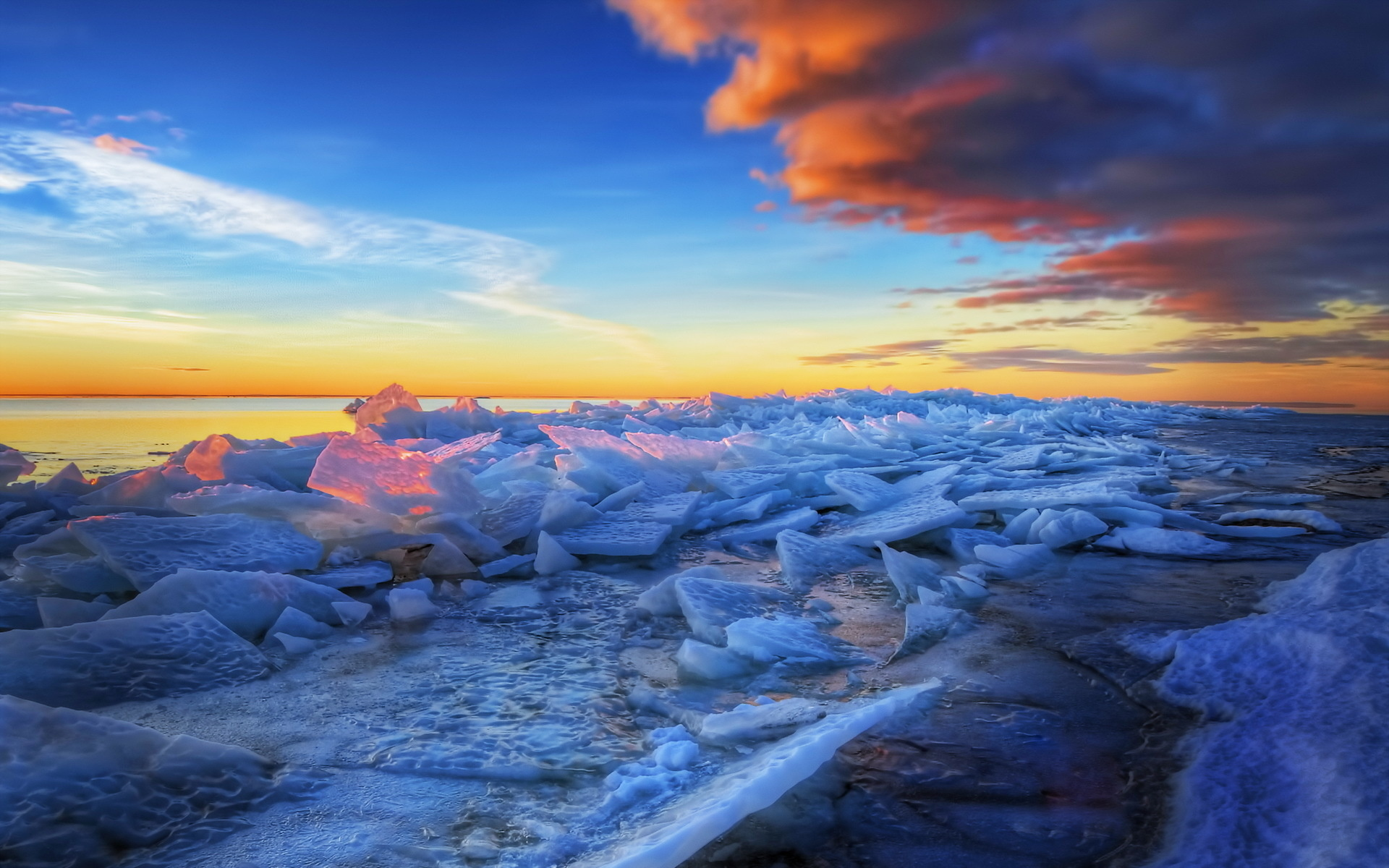 HDR Frozen Beach Wallpaper