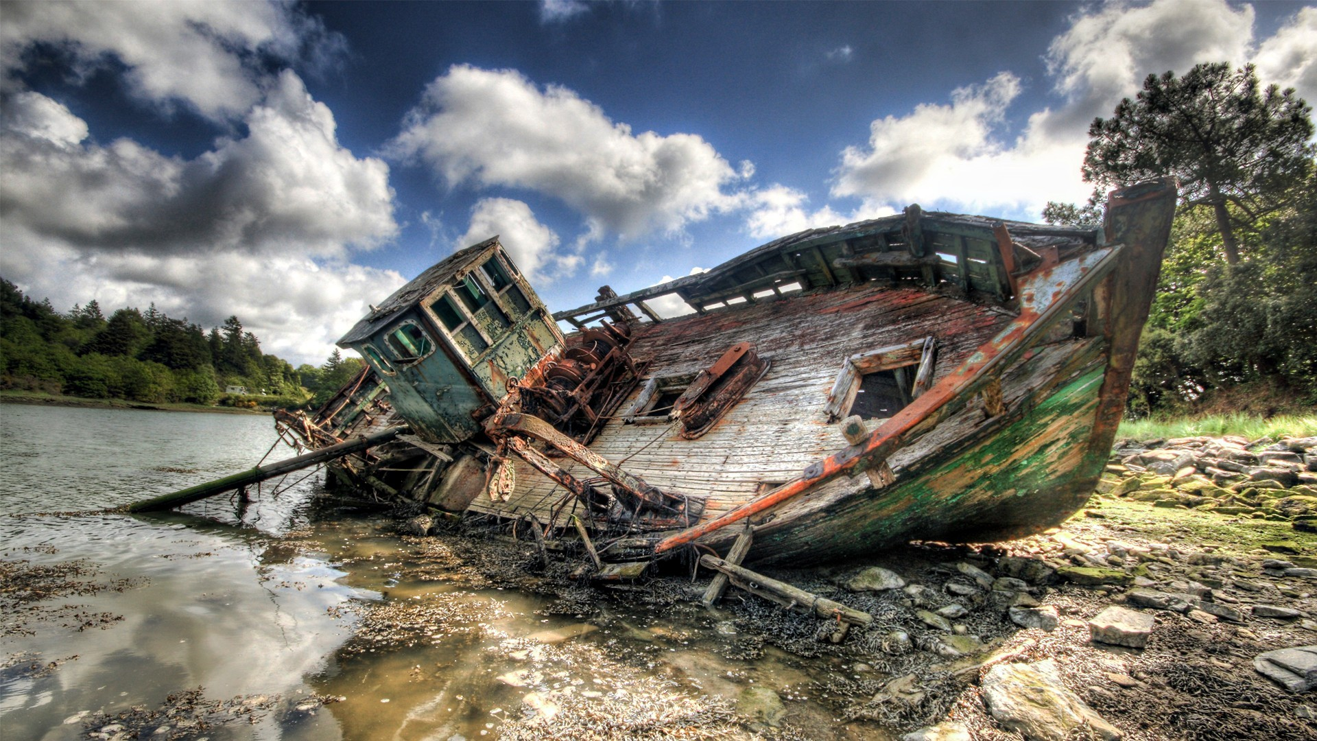 HDR photography boats landscapes sea wrecks