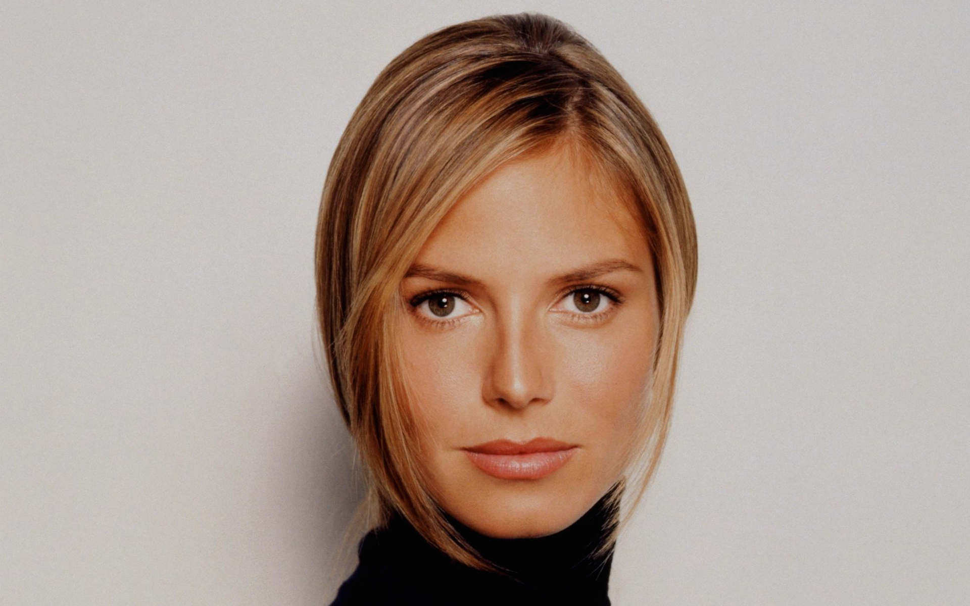 Heidi Klum Celebrity Pictures, Photos and Wallpapers