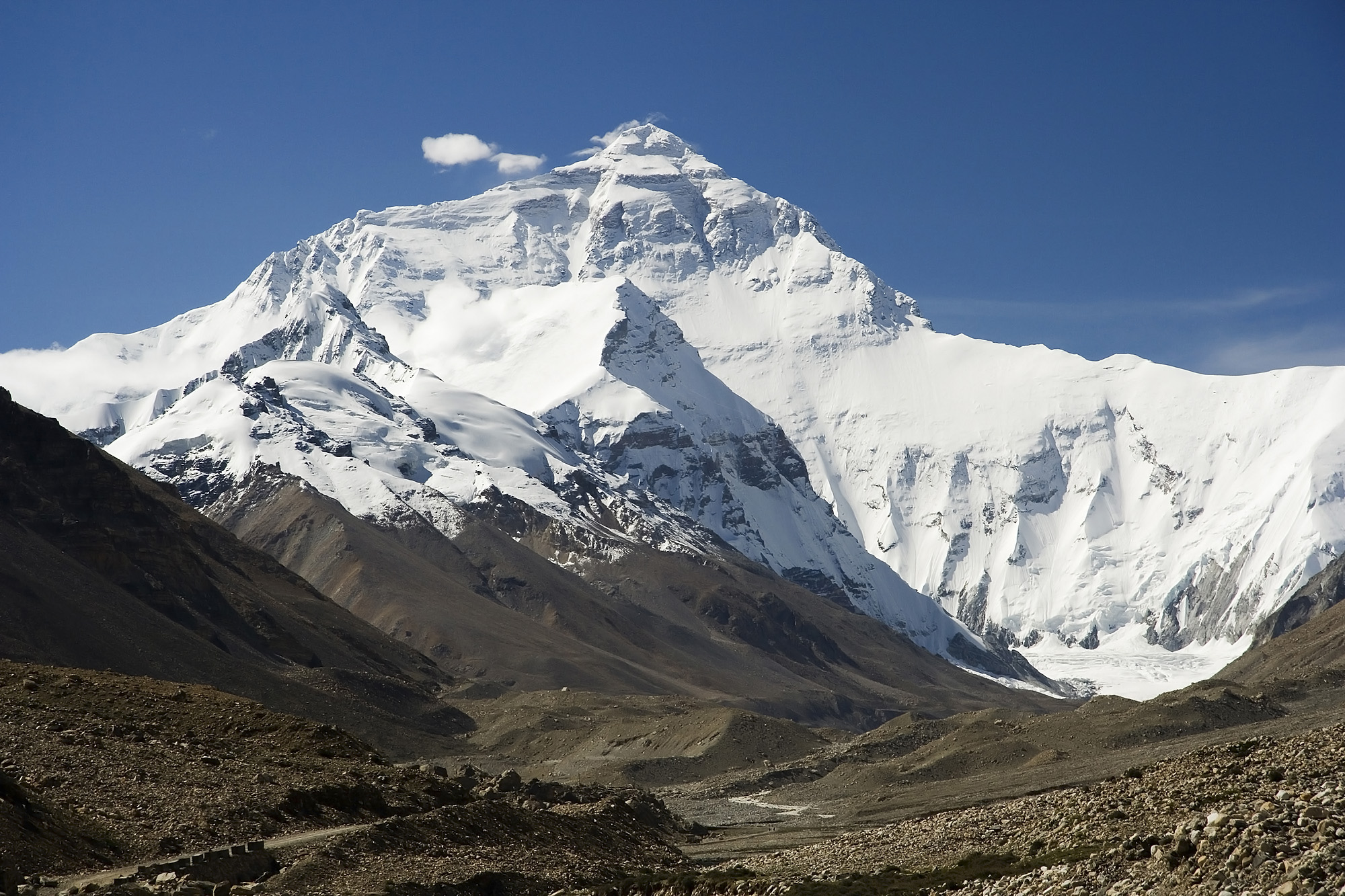 Himalayas. Everest North Face toward Base Camp Tibet Luca Galuzzi 2006 edit 1.jpg
