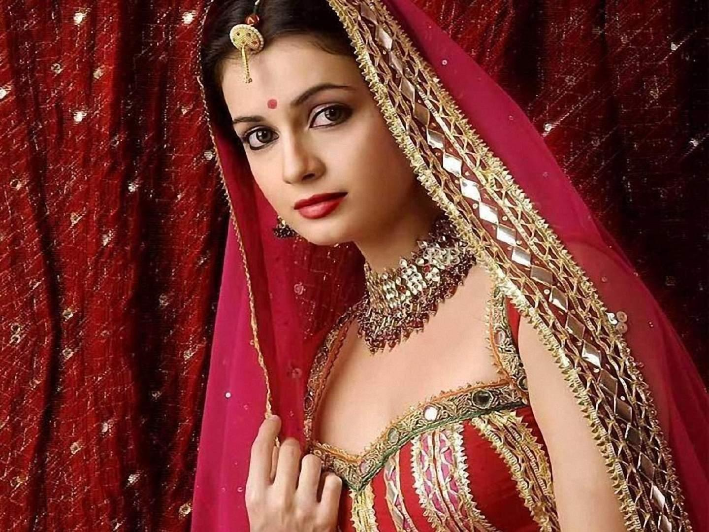 Wallpaper Diya Mirza Hindu look wallpaper free wallpaper in free desktop backgrounds category: Woman-celebrity-backgrounds.