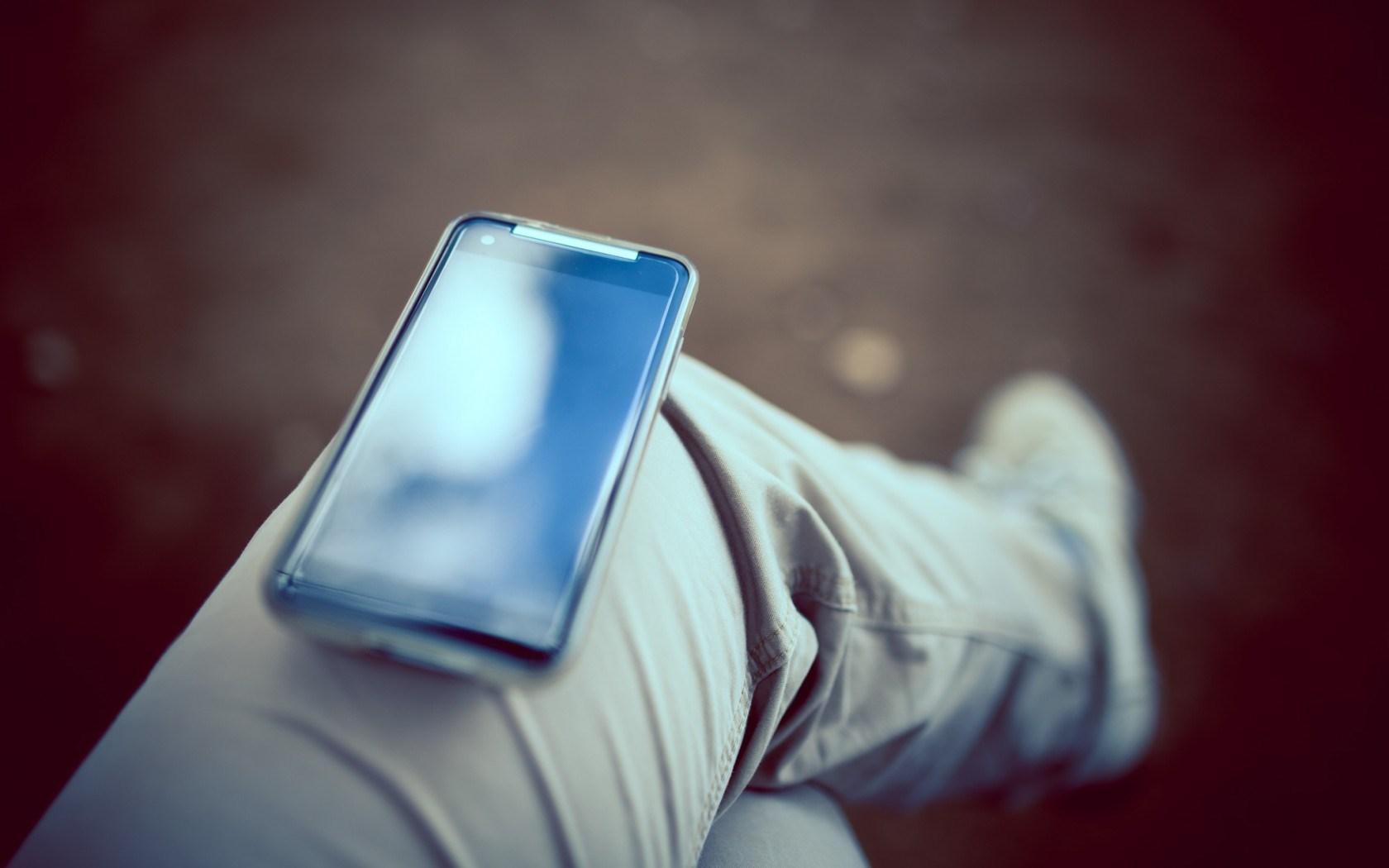 Hi-Tech Phone Screen Legs