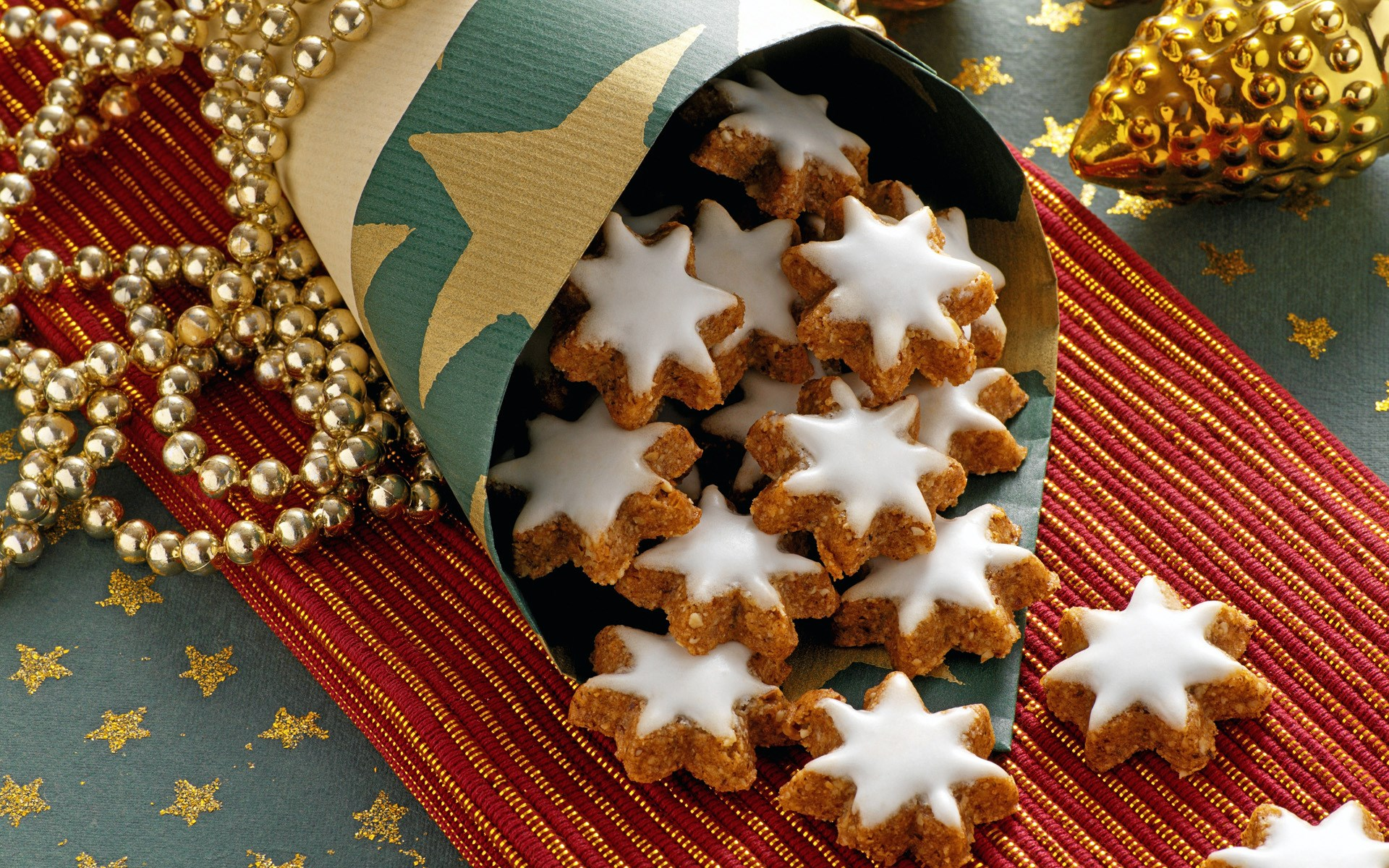 Holiday Biscuits Wallpaper