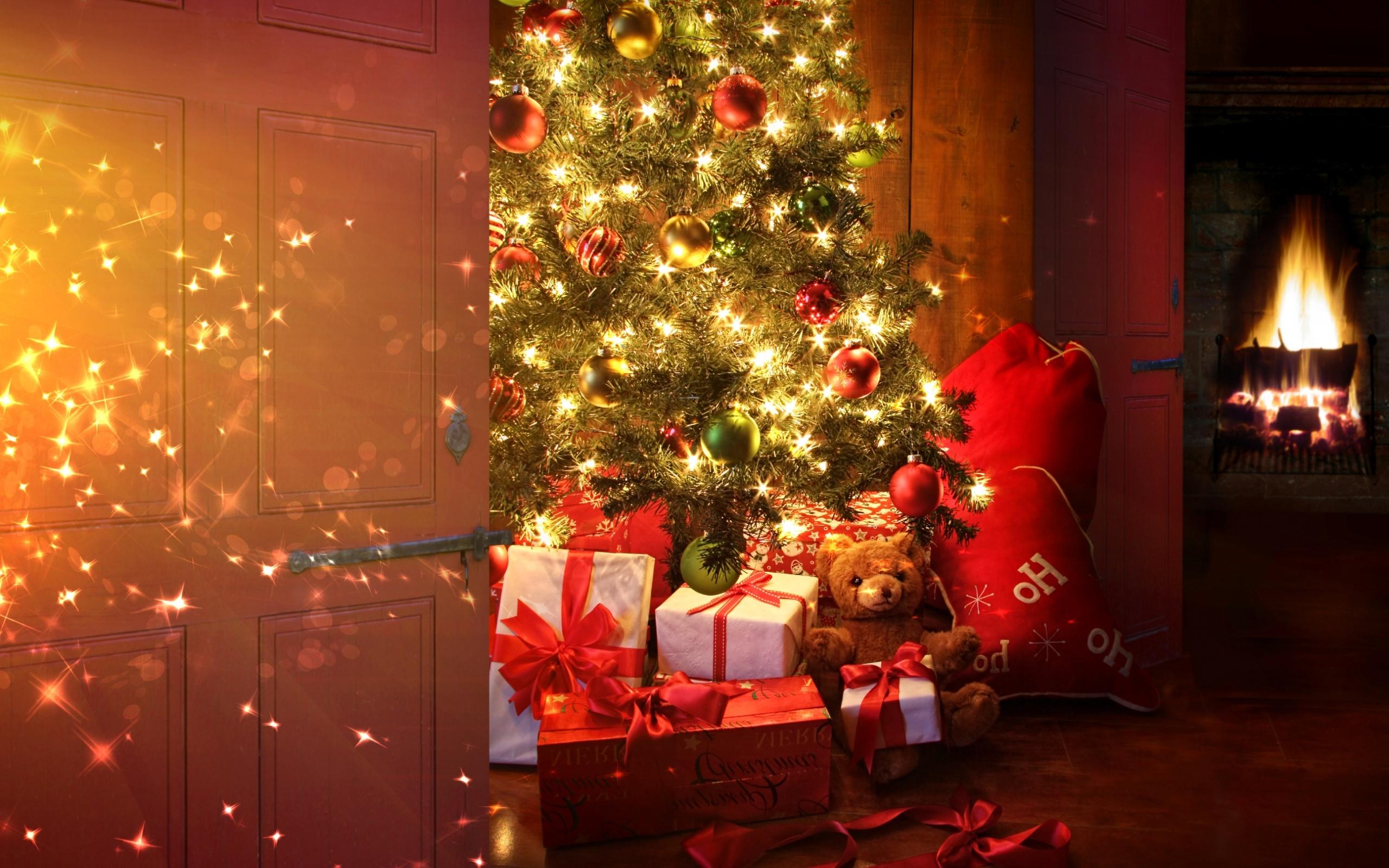 Holiday Christmas Tree Gifts