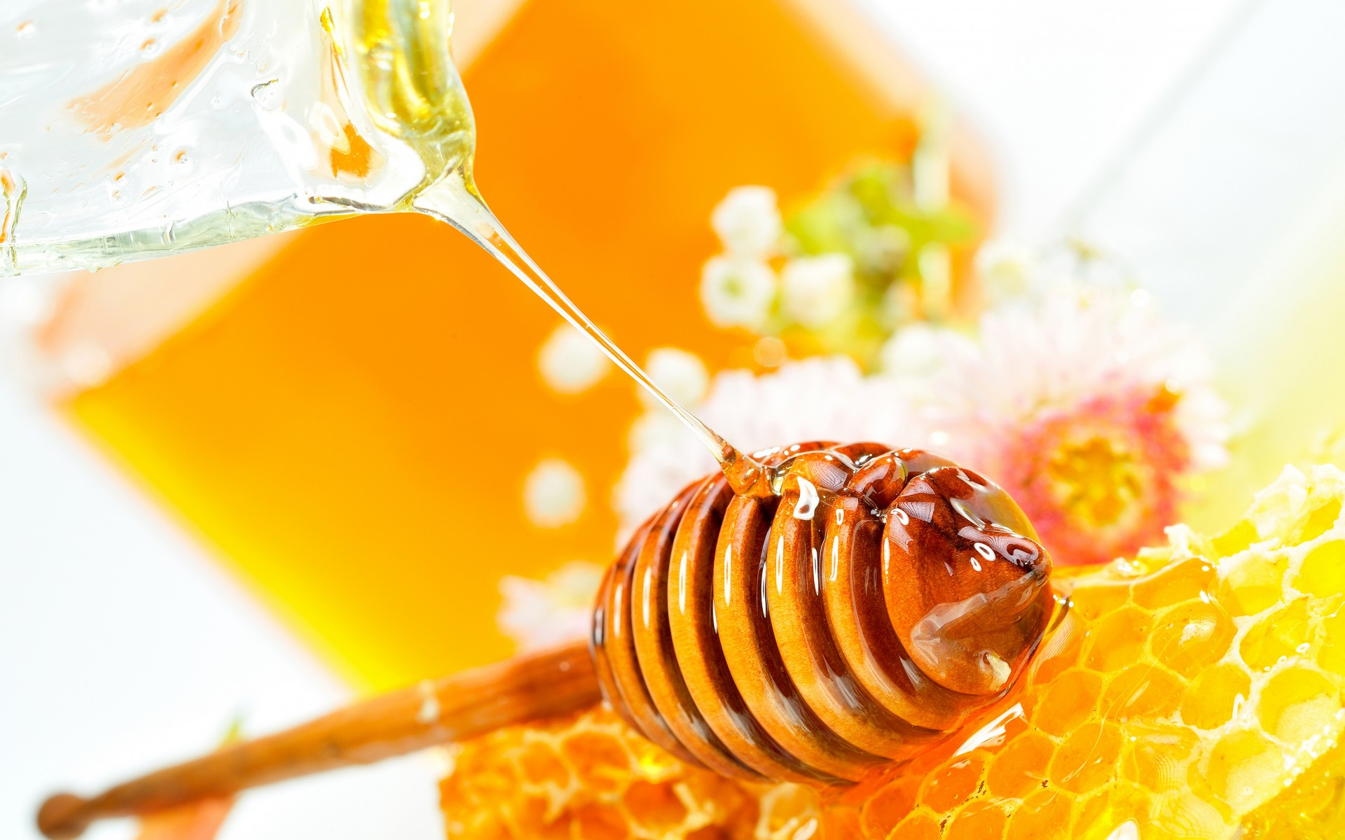 4 Benefits of Honey