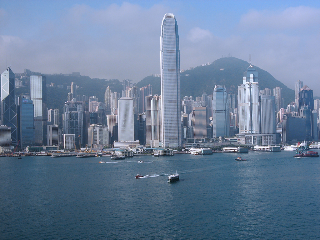 Hong Kong Harbor – Photo By Toshi Chatelin