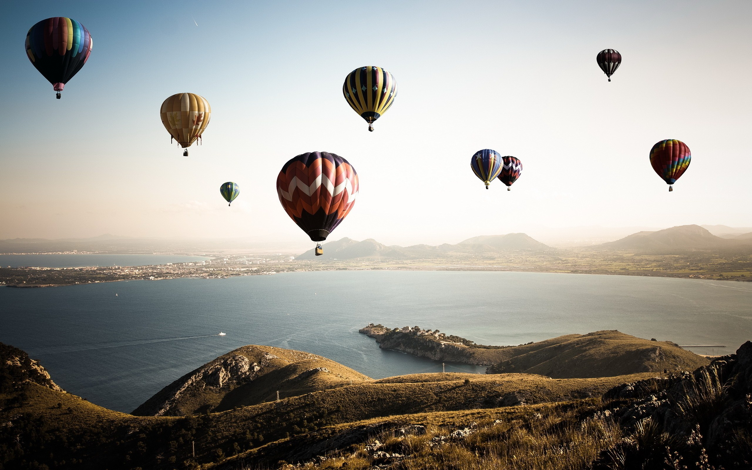 """Download the following Excellent Hot Air Balloon Wallpaper 47599 by clicking the orange button positioned underneath the """"Download Wallpaper"""" section."""