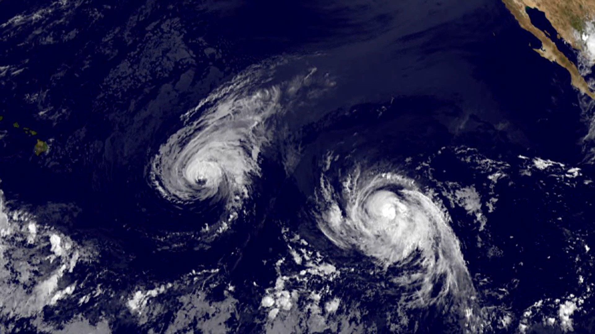 Double Trouble: Hawaii Braces for Hurricanes Iselle and Julio - NBC News
