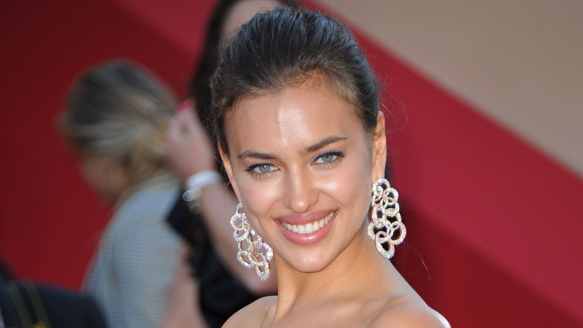 Free Irina Shayk Wallpaper