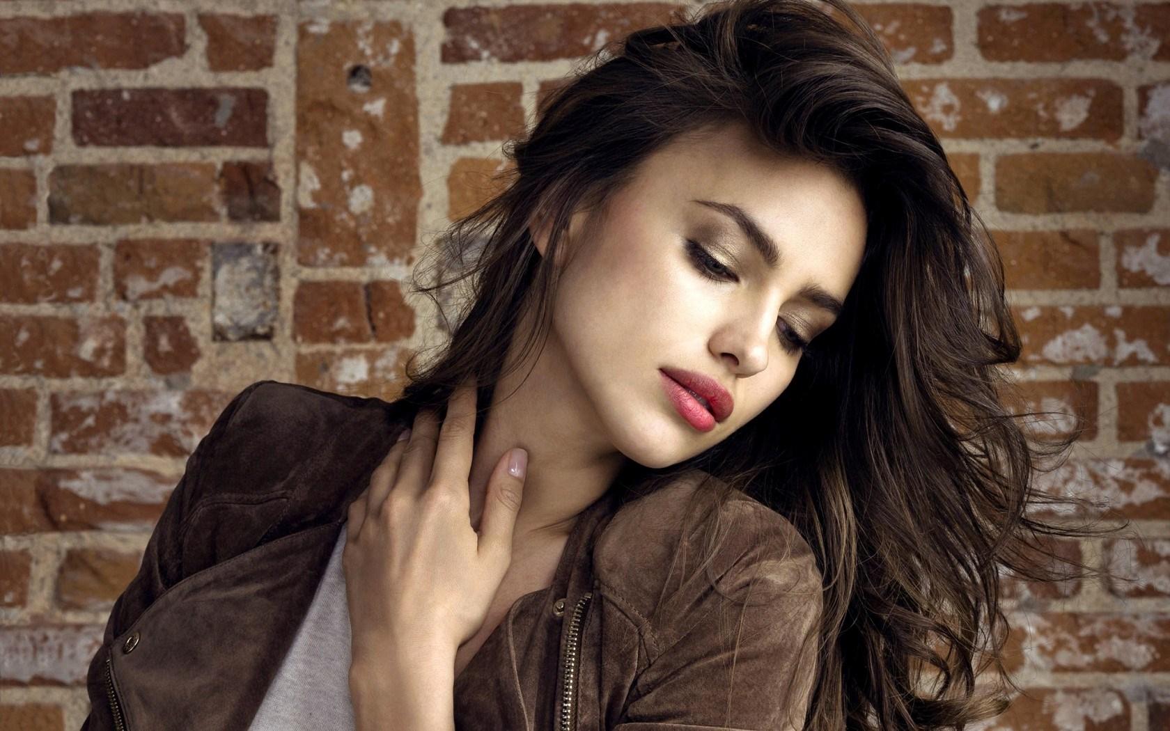 Irina Shayk Sheik Model Girl Fashion