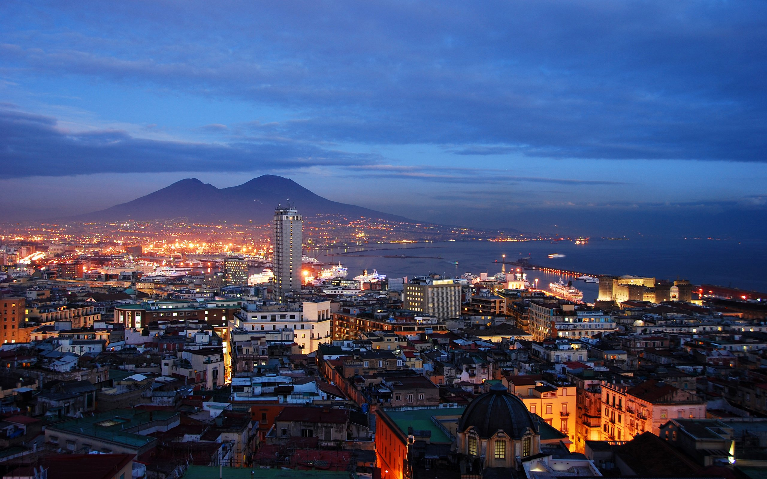 Italy napoli at night