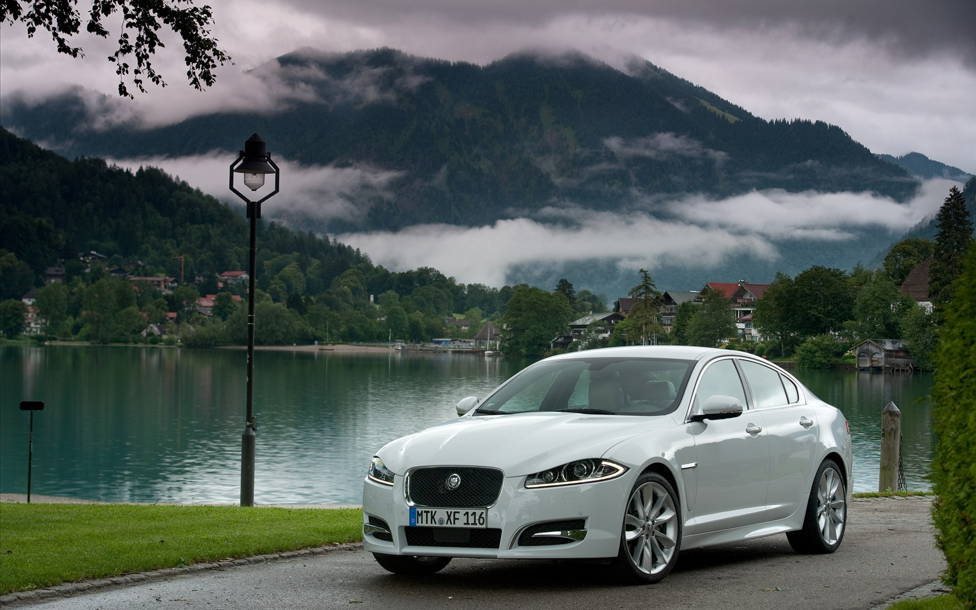 Jaguar Xf Hd Wallpaper 1920x1200 17130