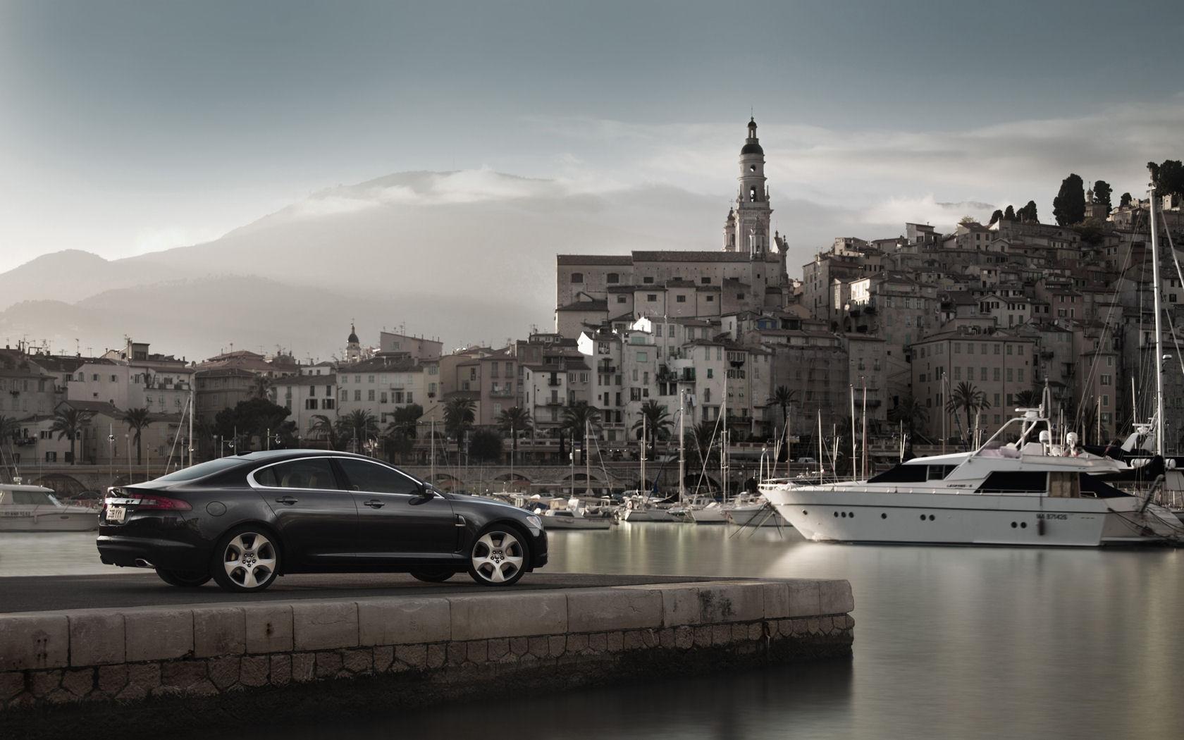 Jaguar XF Wallpaper