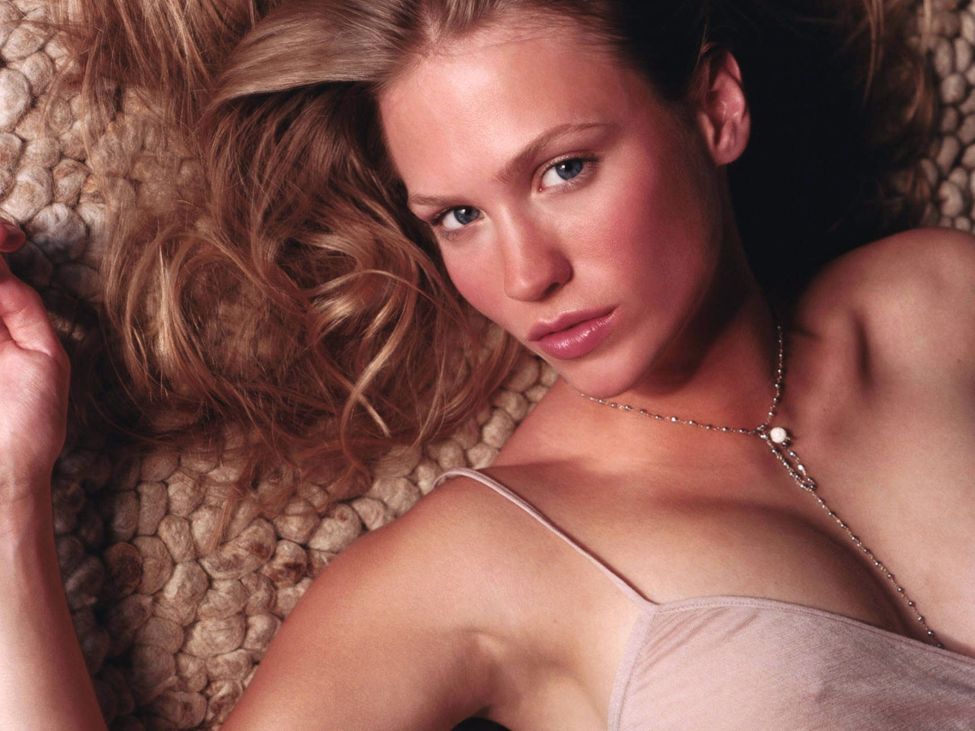 3 January Jones wallpapers for your PC, mobile phone, iPad, iPhone.
