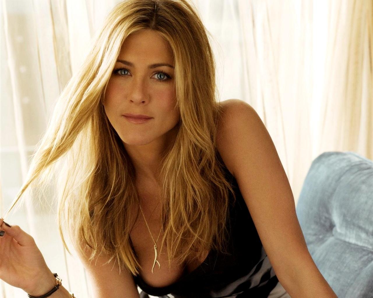 Jennifer Aniston Pictures