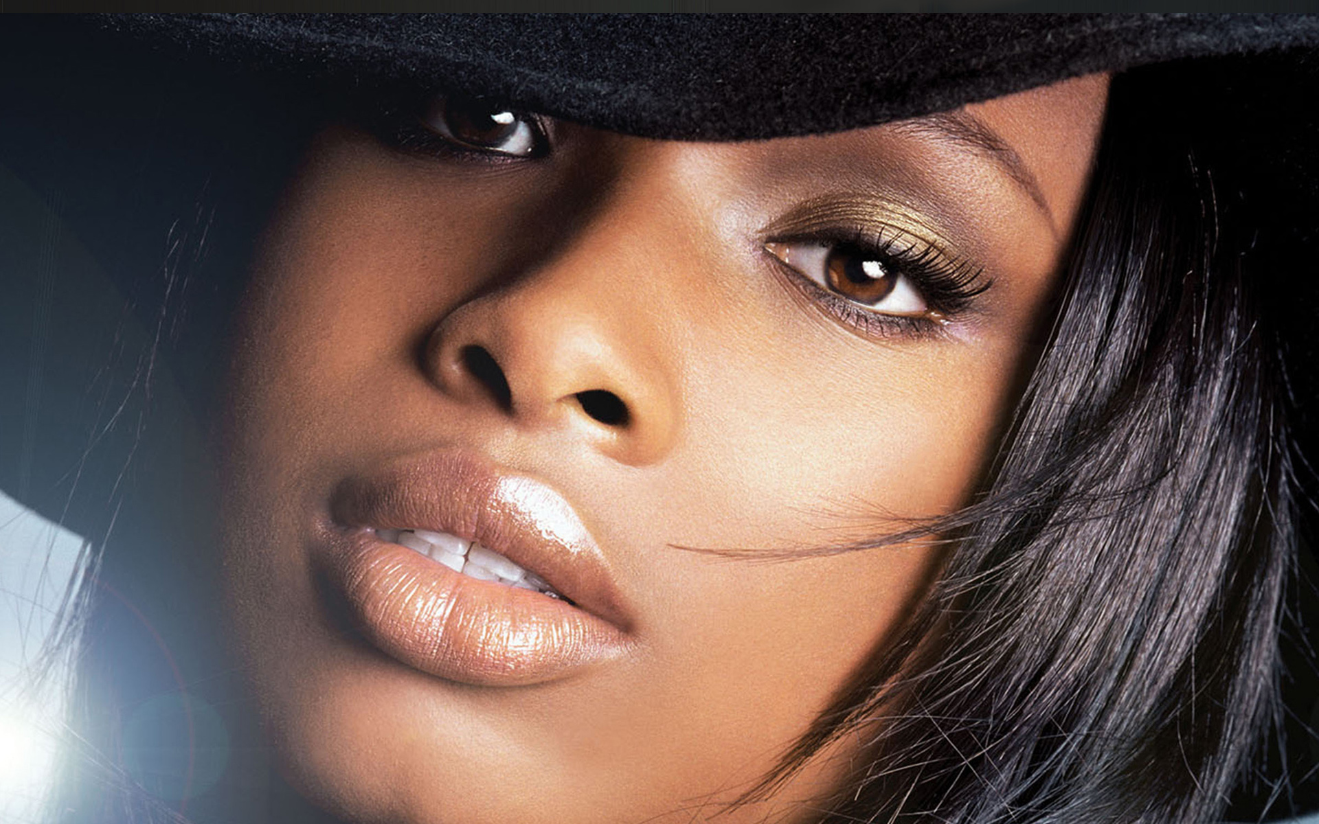 Jennifer Hudson closeup wallpaper – 1920 x 1200 pixels – 763 kB