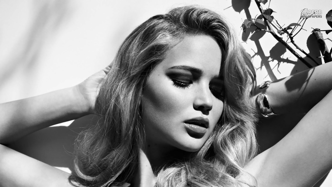 Jennifer Lawrence wallpaper 1366x768
