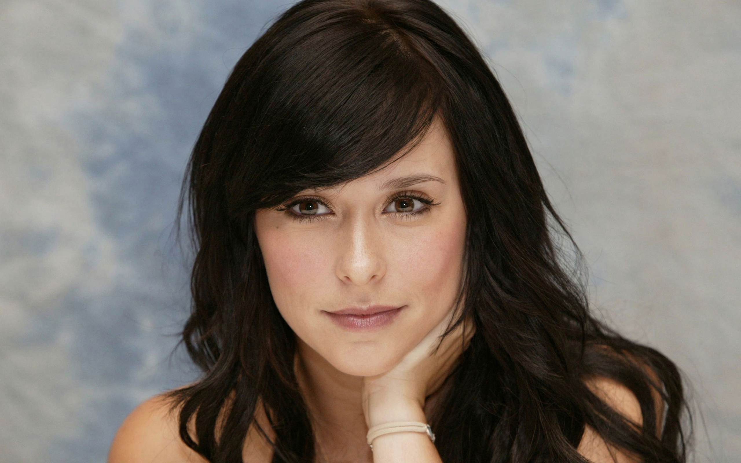 J. Love (Jennifer Love Hewitt) on Pinterest | Ghost Whisperer, Bangs and Katy Perry