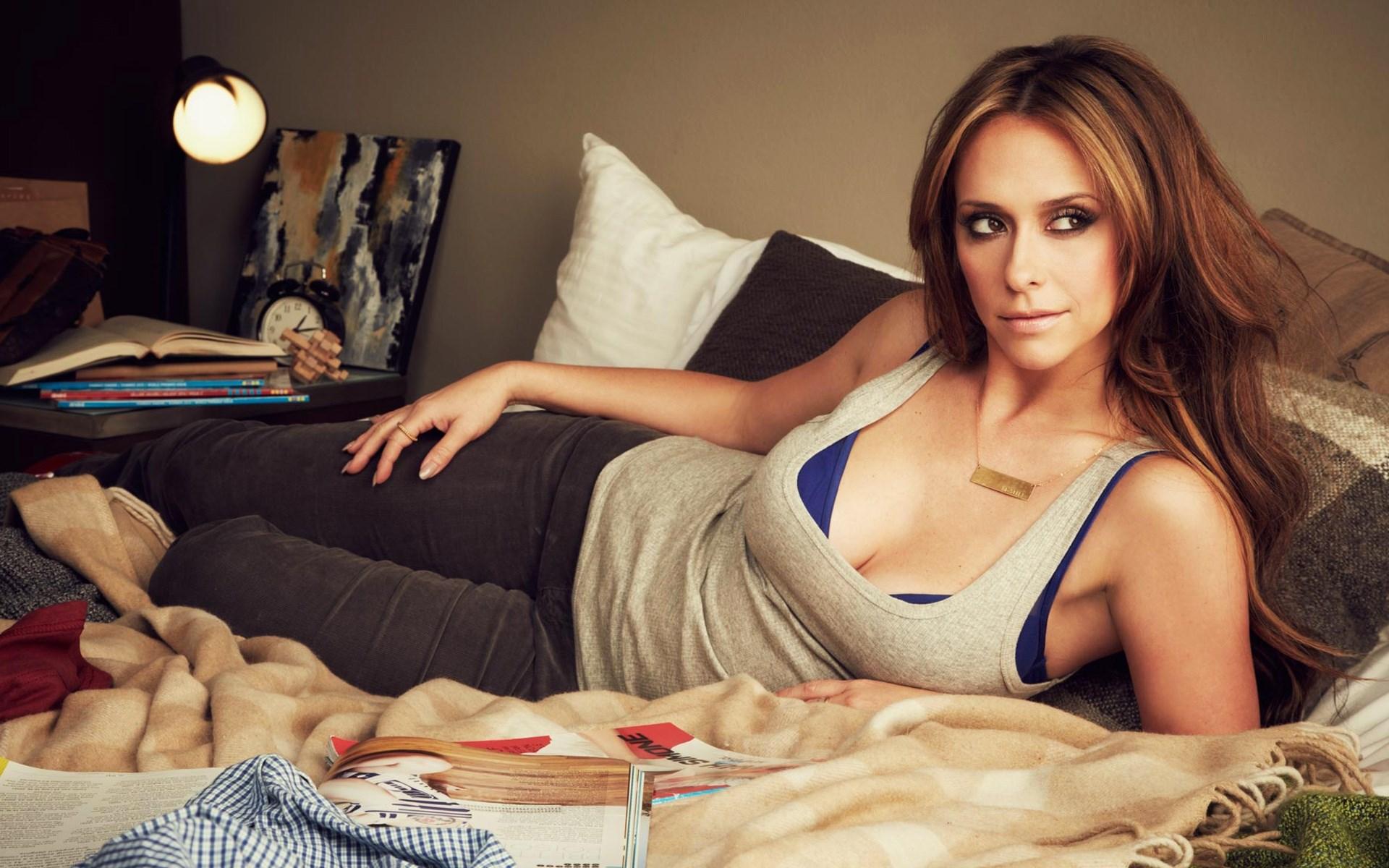 Jennifer Love Hewitt Girl