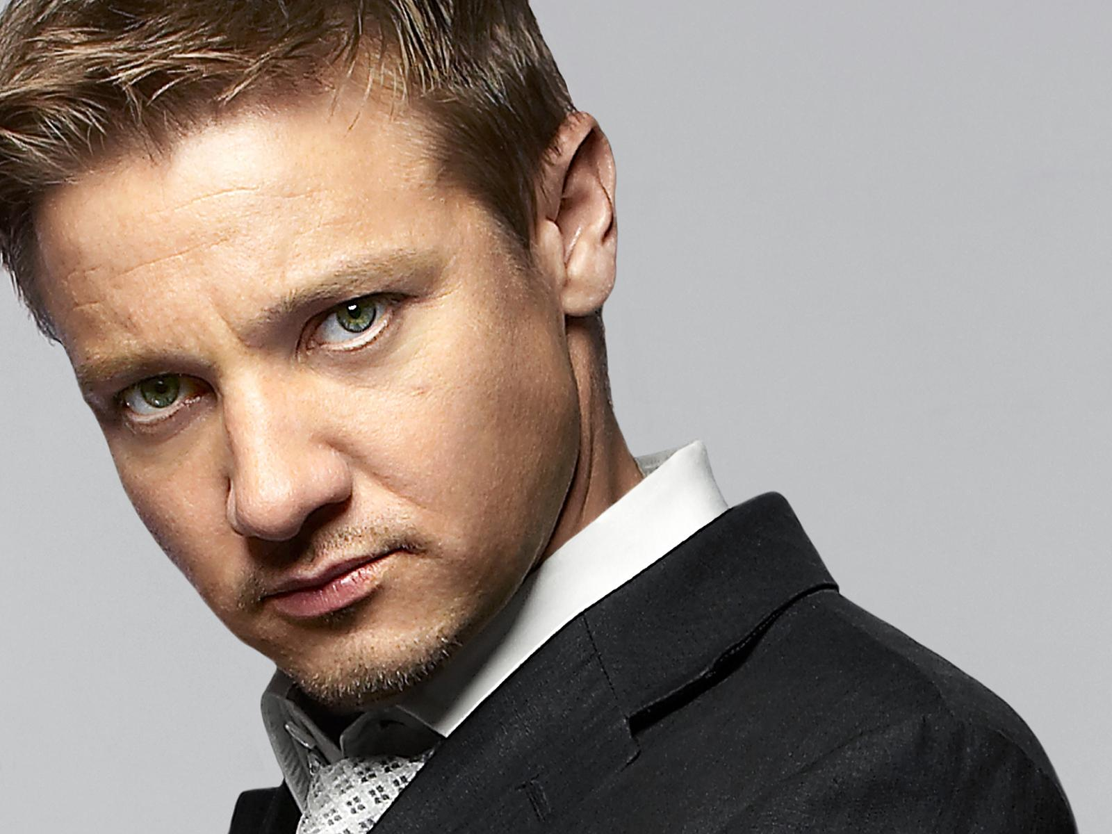 jeremy-renner-wallpaper