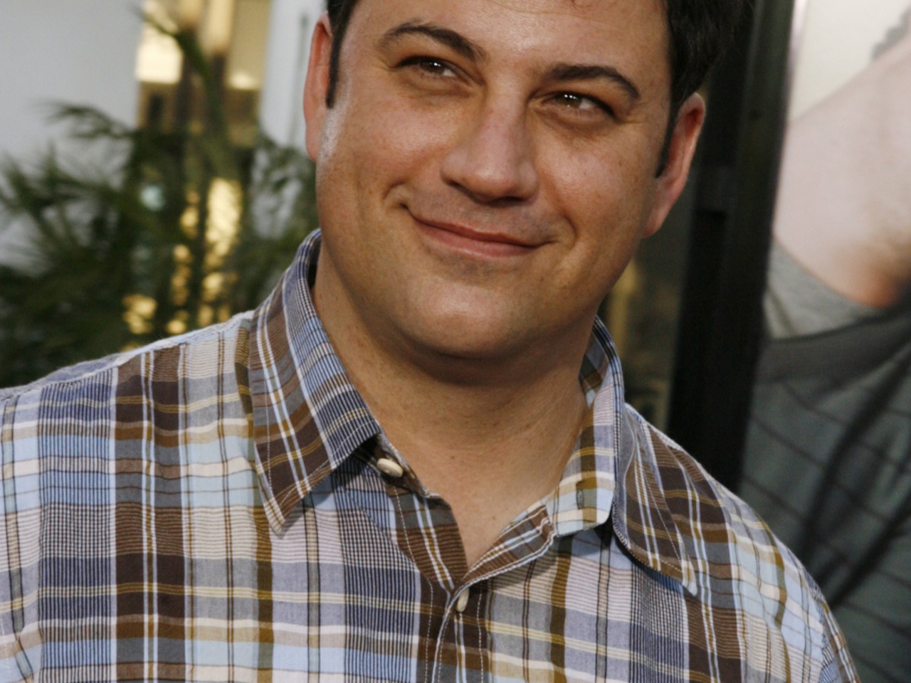 "EnlargeTalk show host Jimmy Kimmel arrives as a guest at the premiere of the new comedy film ""Funny People"" in Hollywood July 20, 2009."