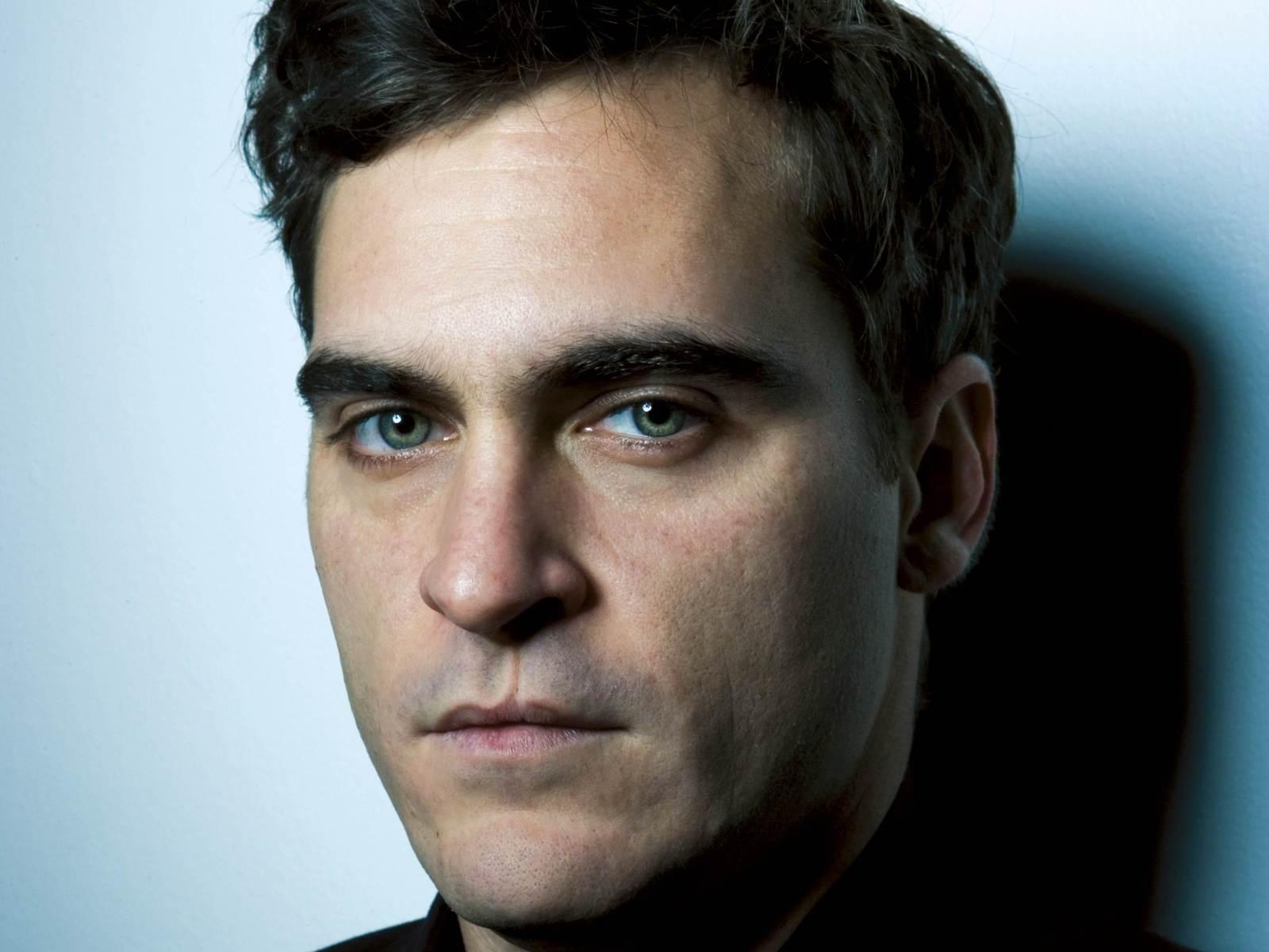 ... Joaquin Phoenix ...