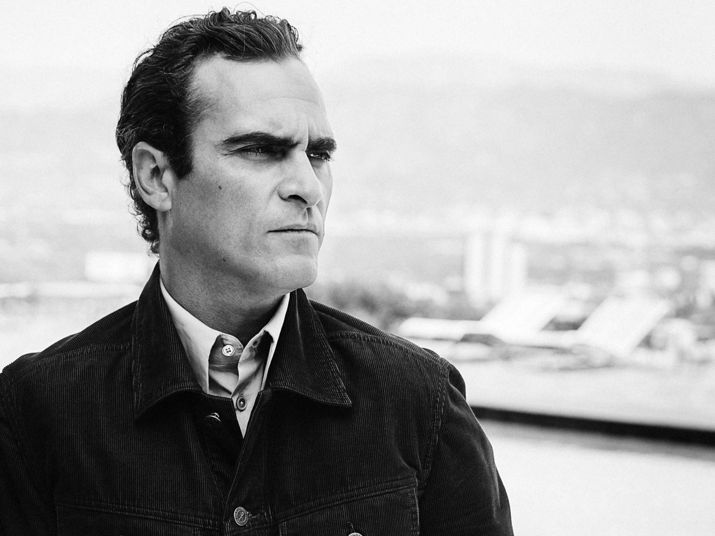 http://www.esquire.co.uk/style/esquire-men/5187/joaquin-phoenix-esquire-interview-pictures/1/