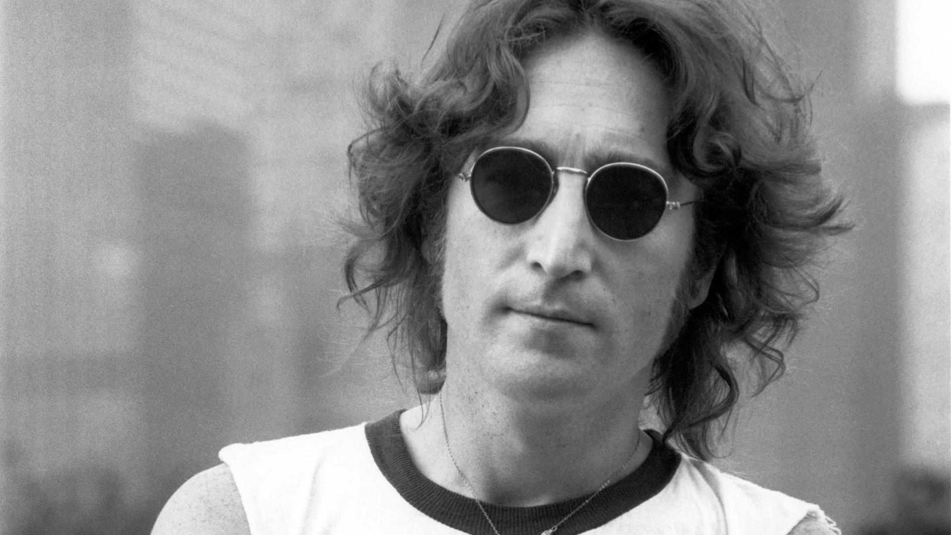 Pittsburgh had its own John Lennon stalker -- only she left a love letter.
