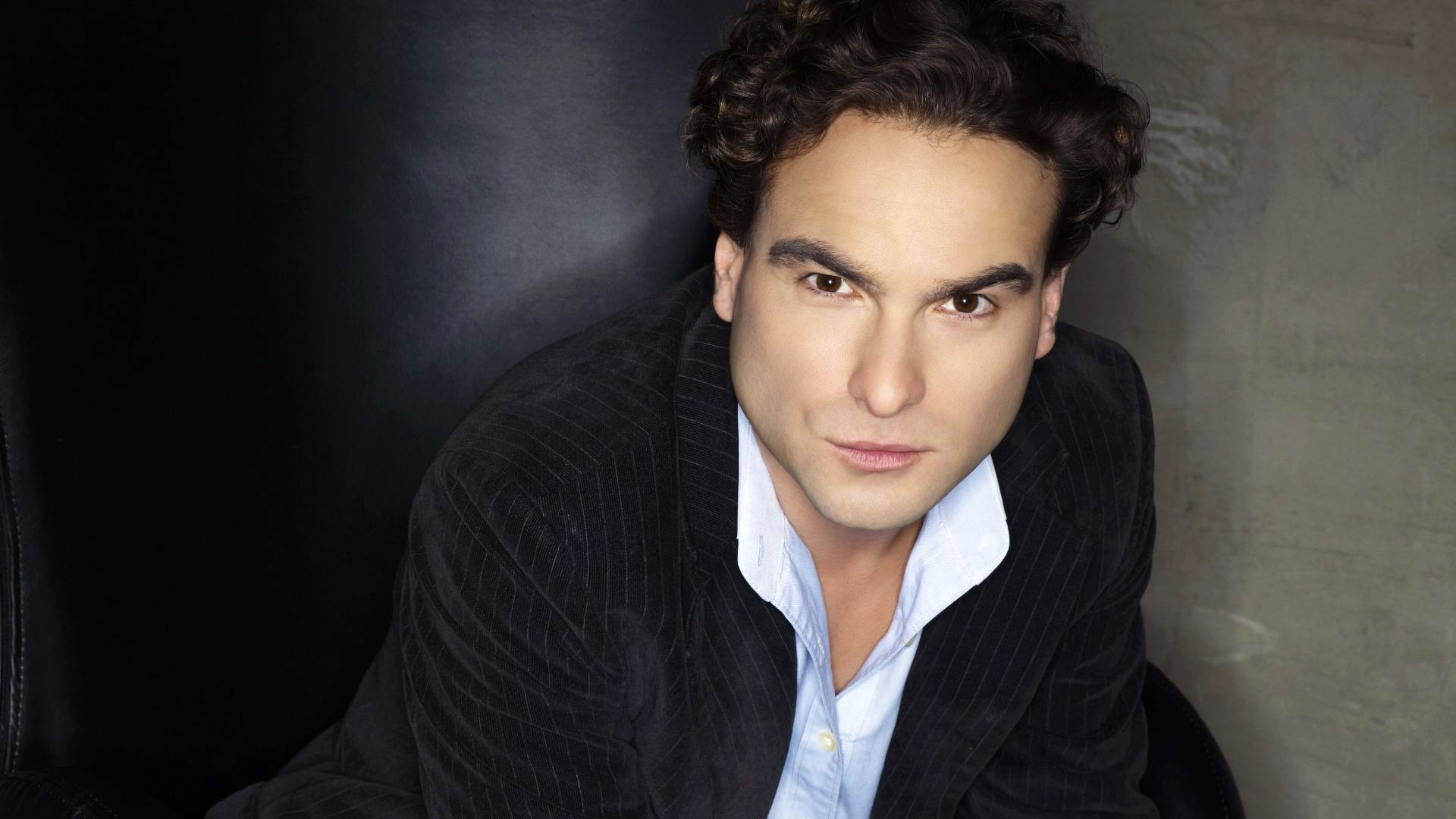 Johnny Galecki High Resolution wallpapers