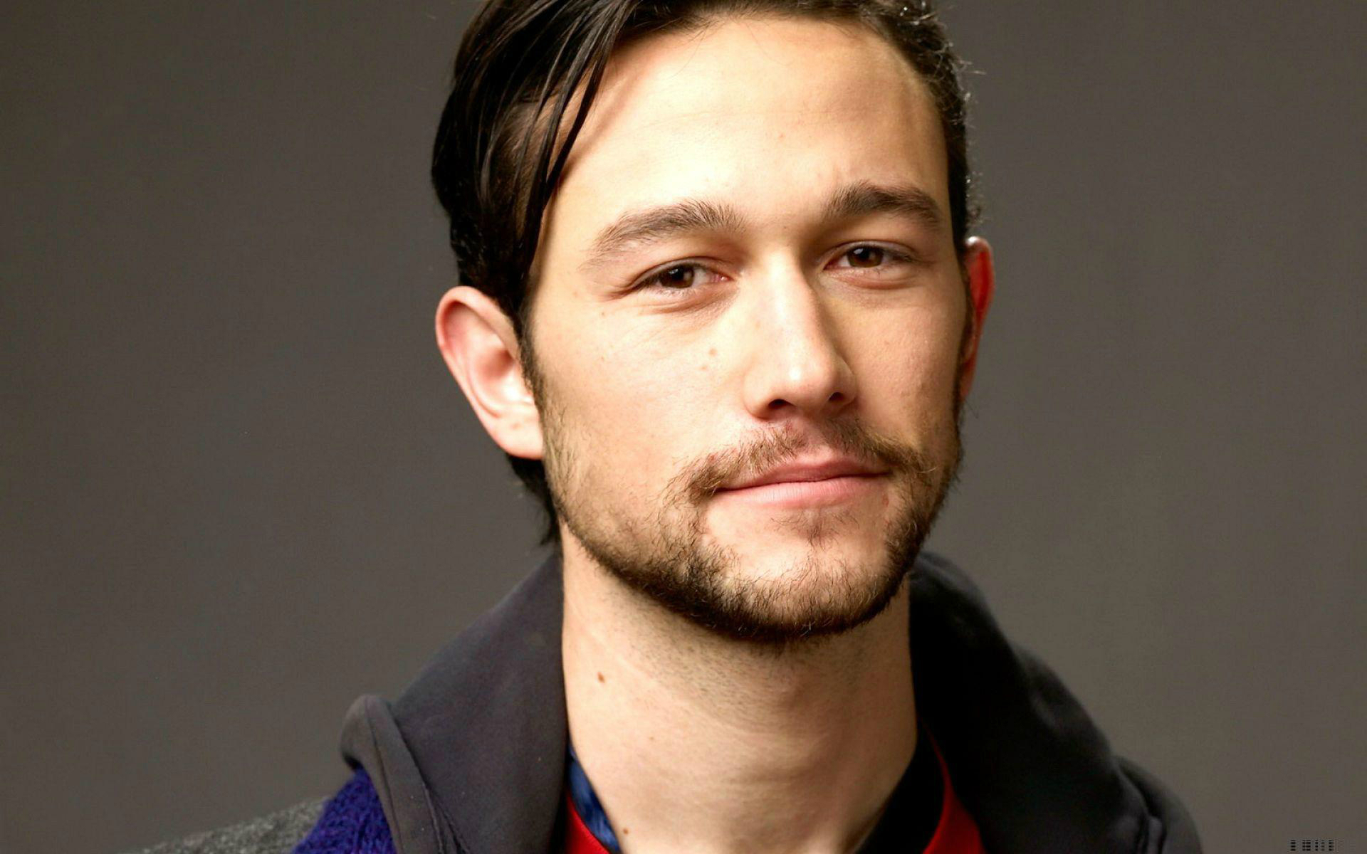 #Mañana #17F 1981 nace Joseph Gordon-Levitt, actor estadounidense (Inception, Looper, 50/50) http://youtu.be/gTsXd4IinW0 ...