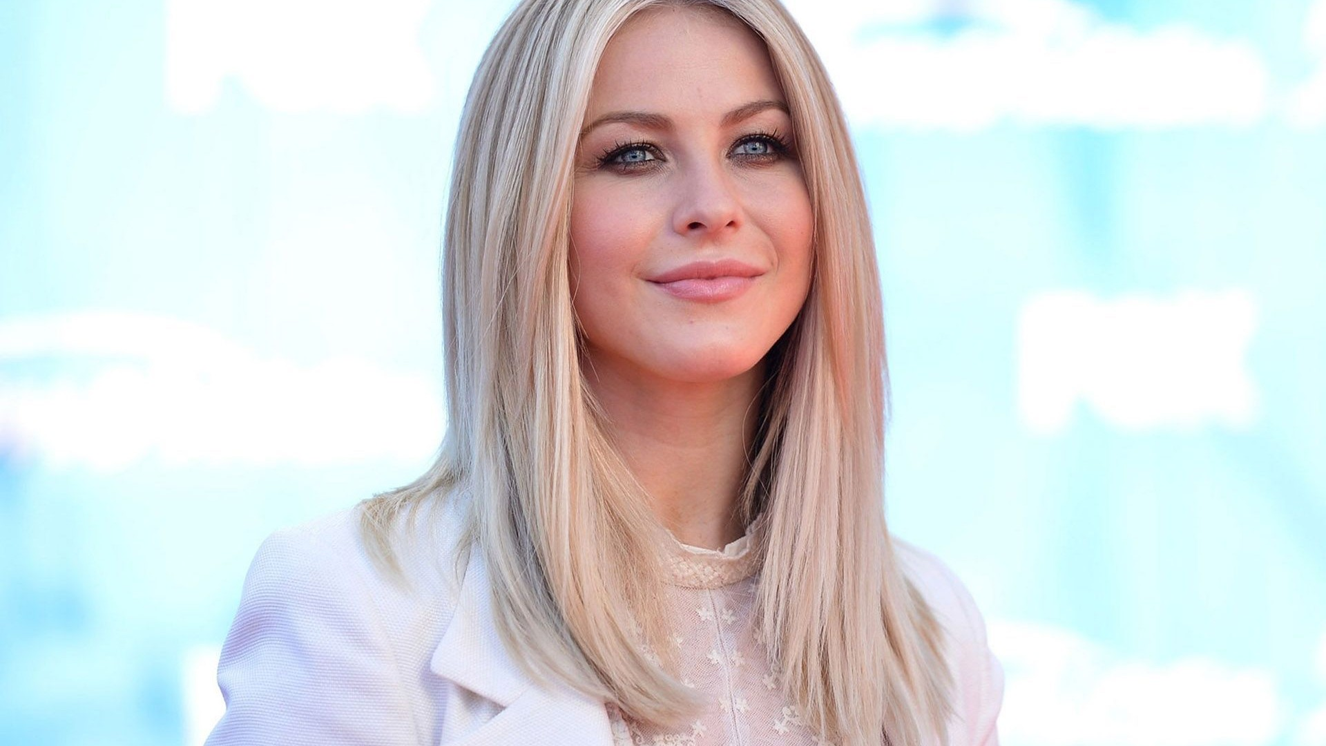 Julianne Hough Hairdressing Trend