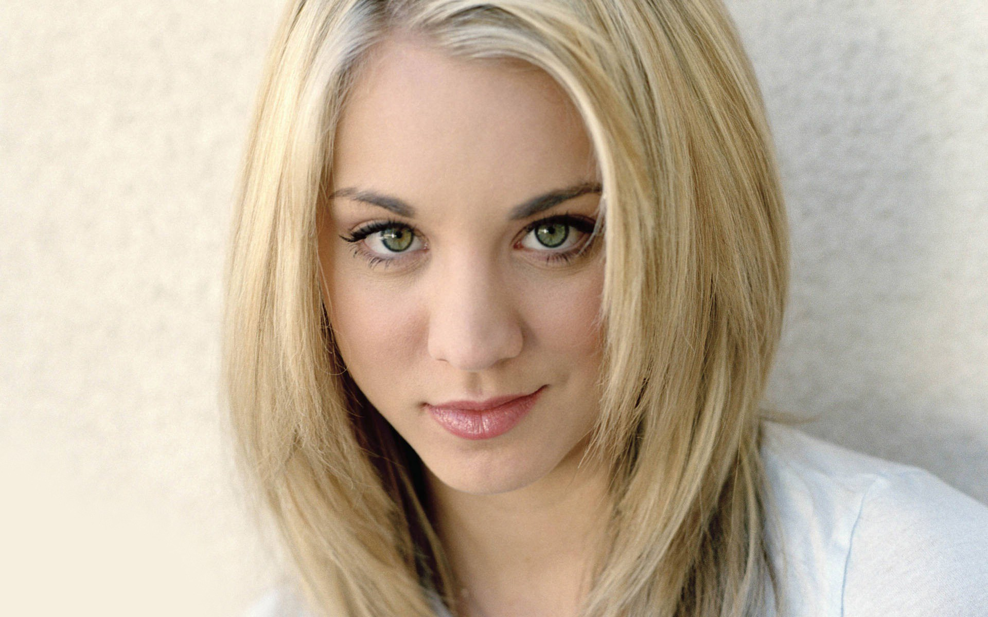 kaley cuoco wallpaper | 1920x1200 | #77058