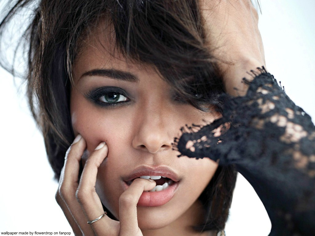 Katerina Graham Wallpaper