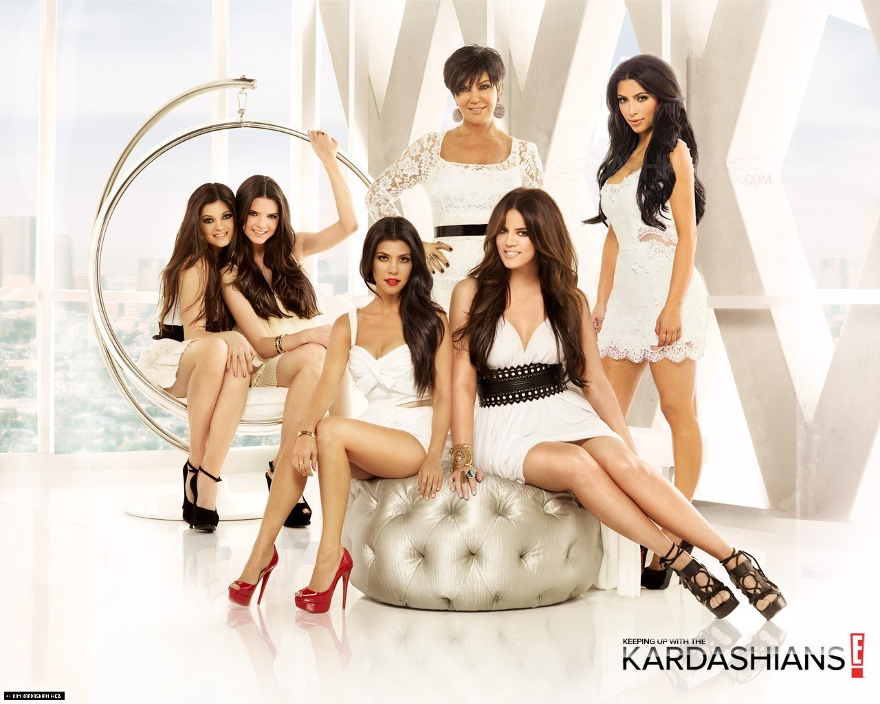 RENAISZANCE songs featured on season finale of Keeping Up With The Kardashians!