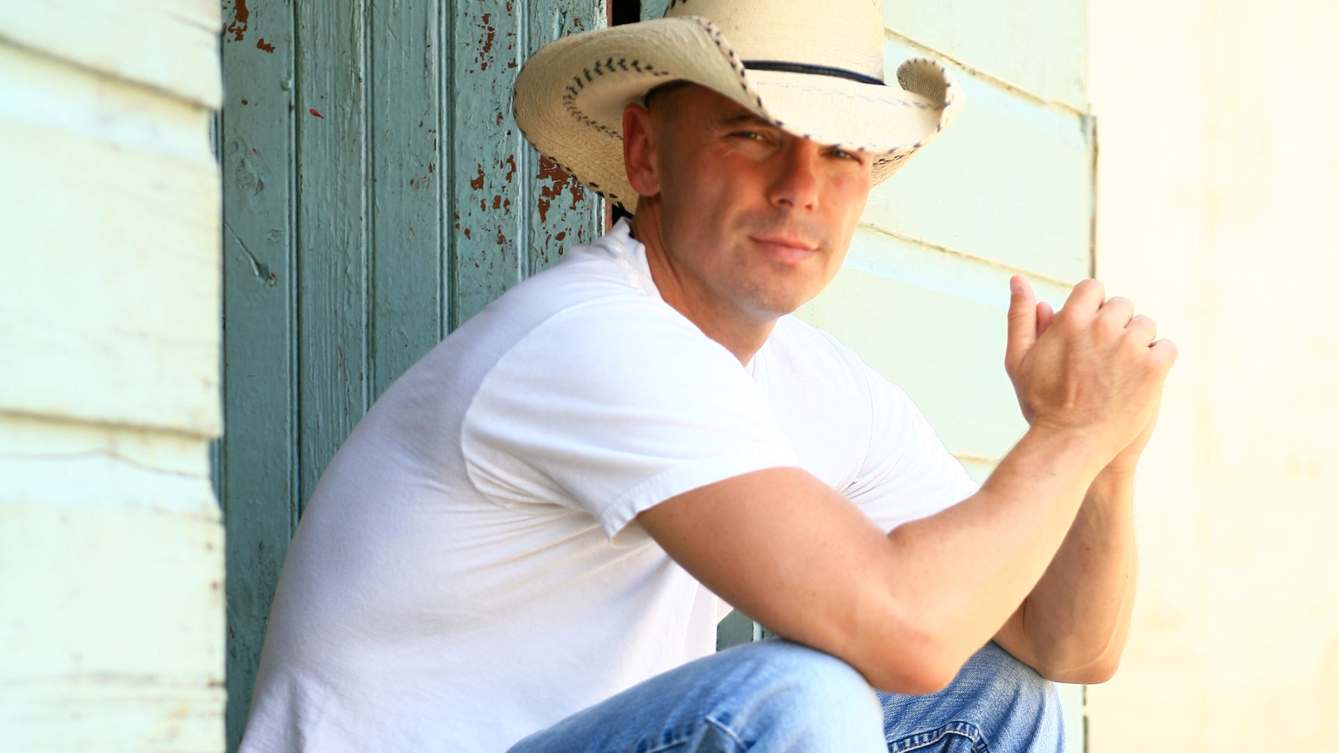 Kenny Chesney LIVE at Pinnacle Bank Arena July 16th