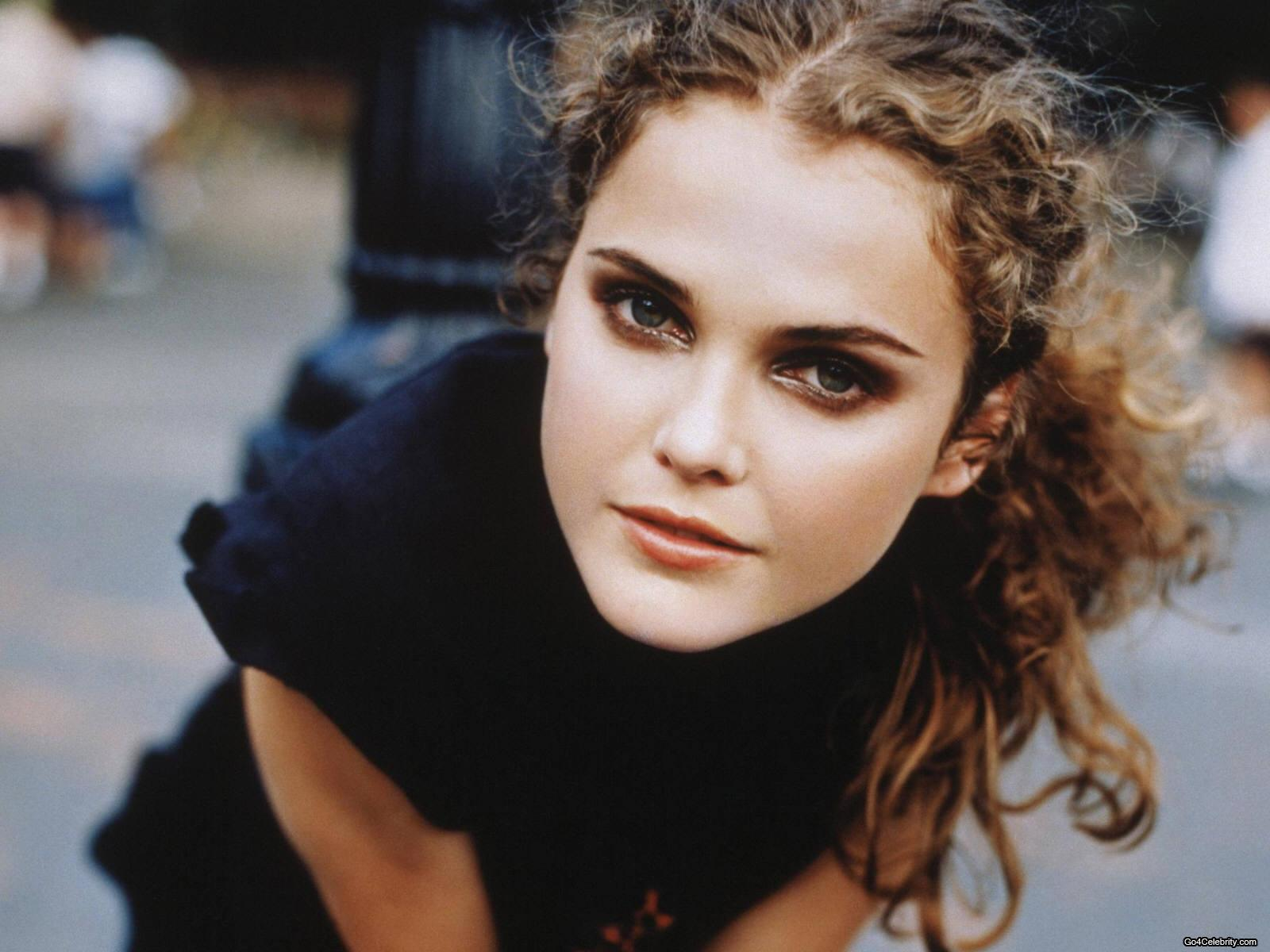Keri Lynn Russell (born March 23, 1976) is an American actress and dancer. After appearing in a number of made-for-television films and series during the ...