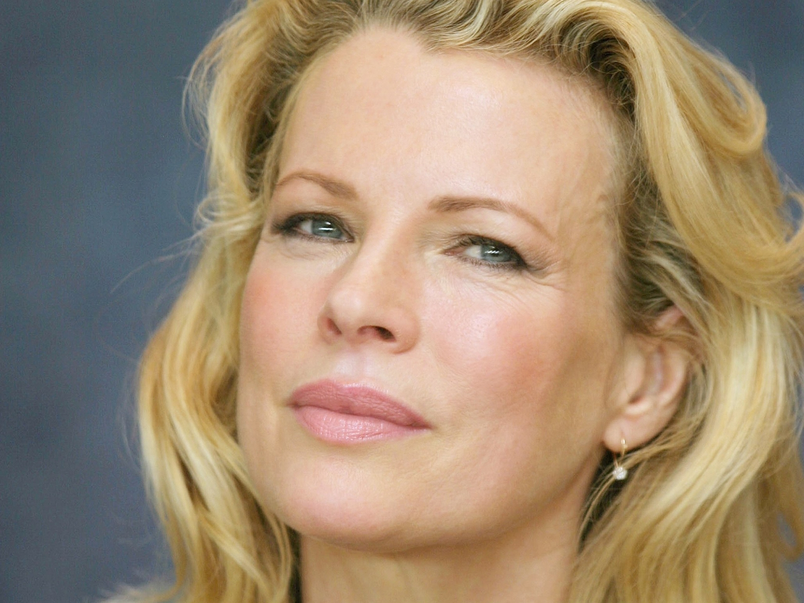 Fonds D Cran Kim Basinger Pc Et Tablettes Ipad Etc - [src]