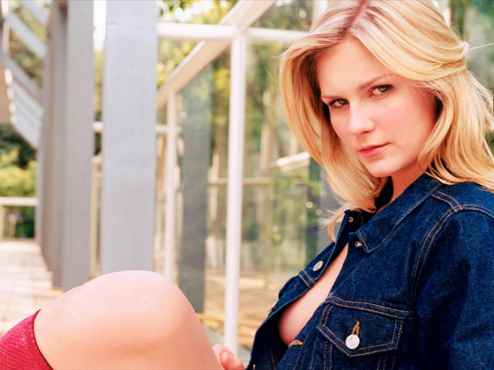 Kirsten Dunst Hot Photos
