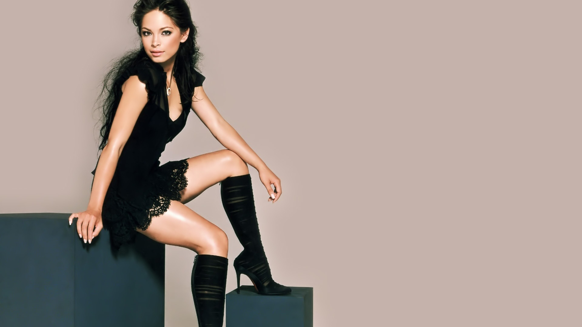 Hot Kristin Kreuk HD wallpapers