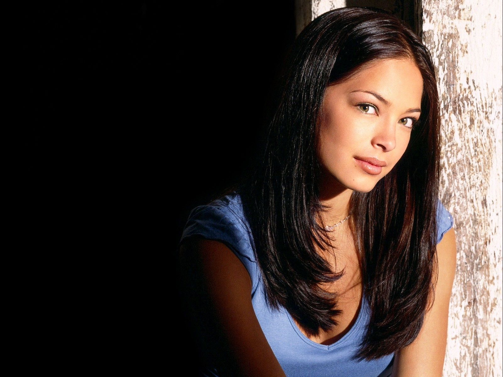 kristin kreuk desktop wallpaper